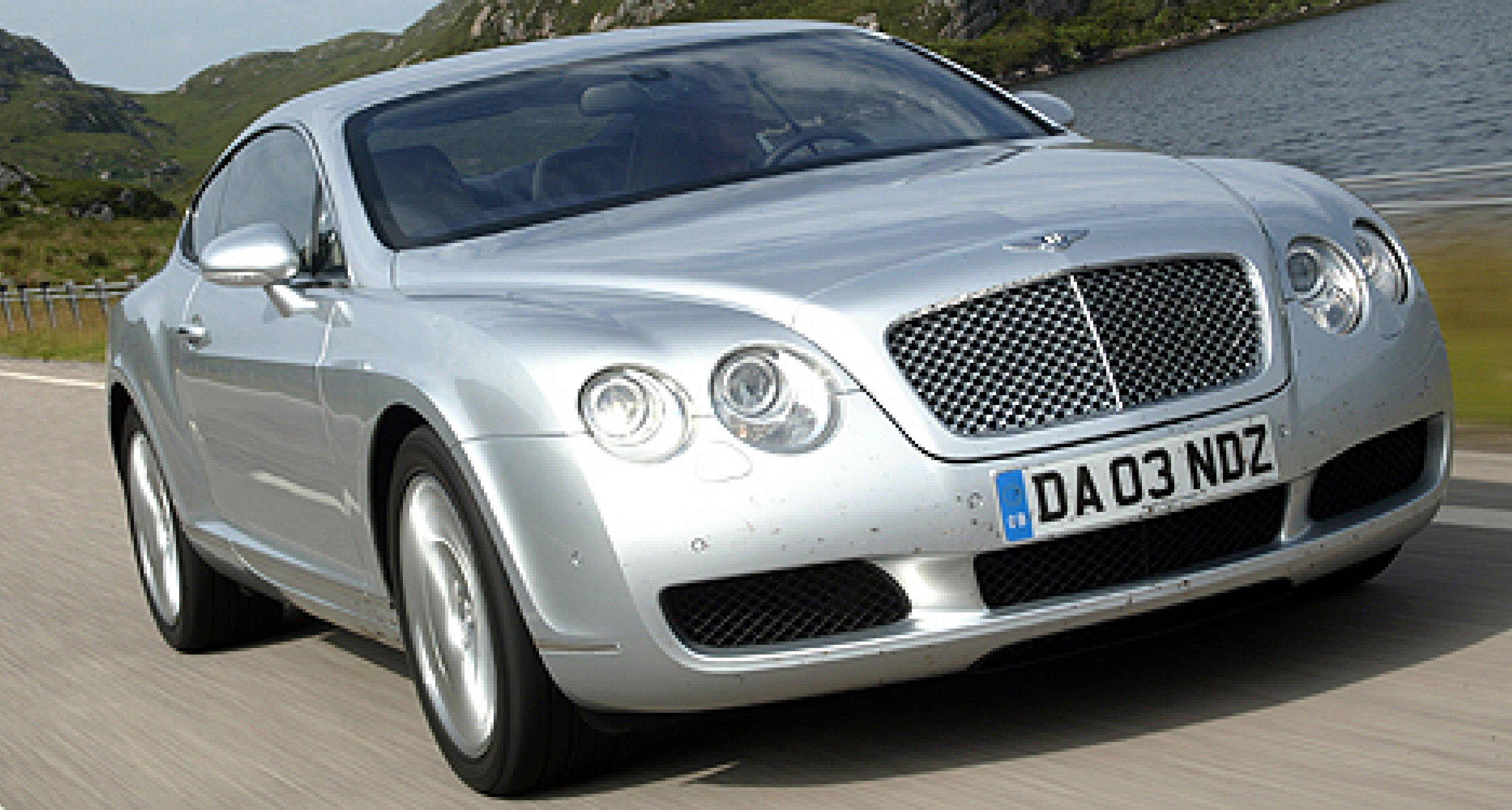 Sir Elton John versteigert ersten Bentley Continental GT