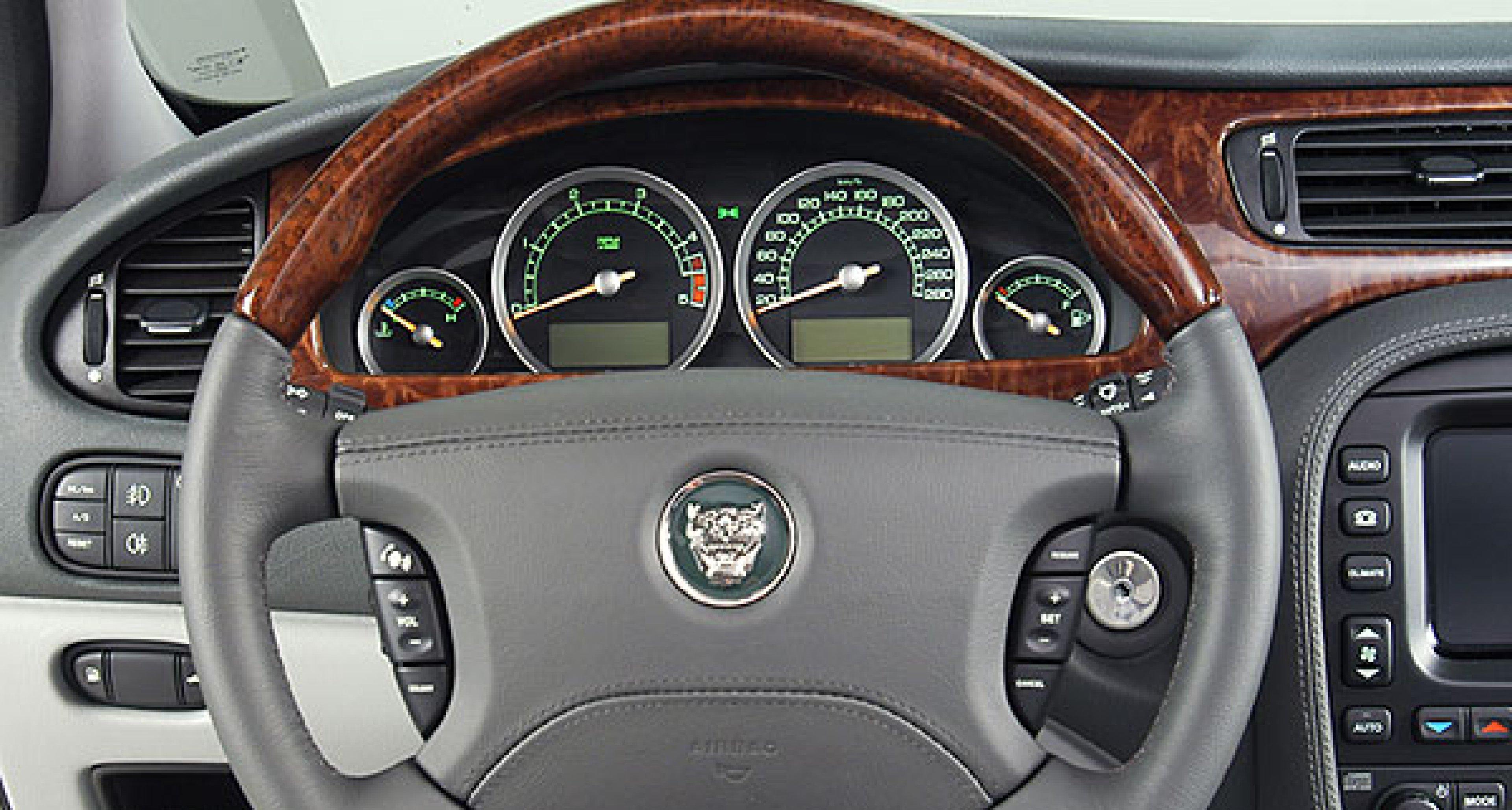 Jaguar S-Type: Neu mit starkem 2,7-Liter-V6-Diesel
