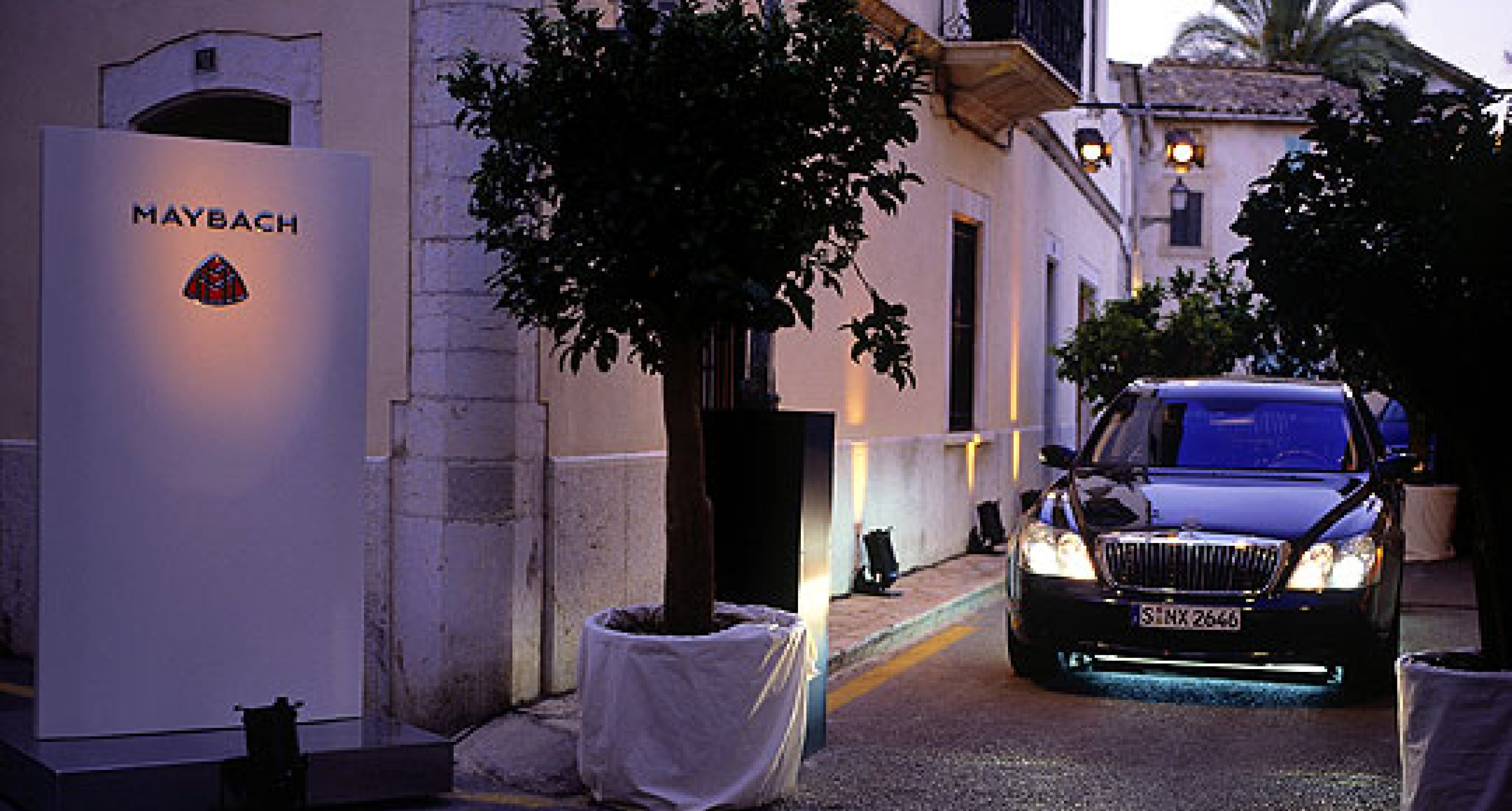 Maybach and UBS in partnership for Majorcan art exhibition