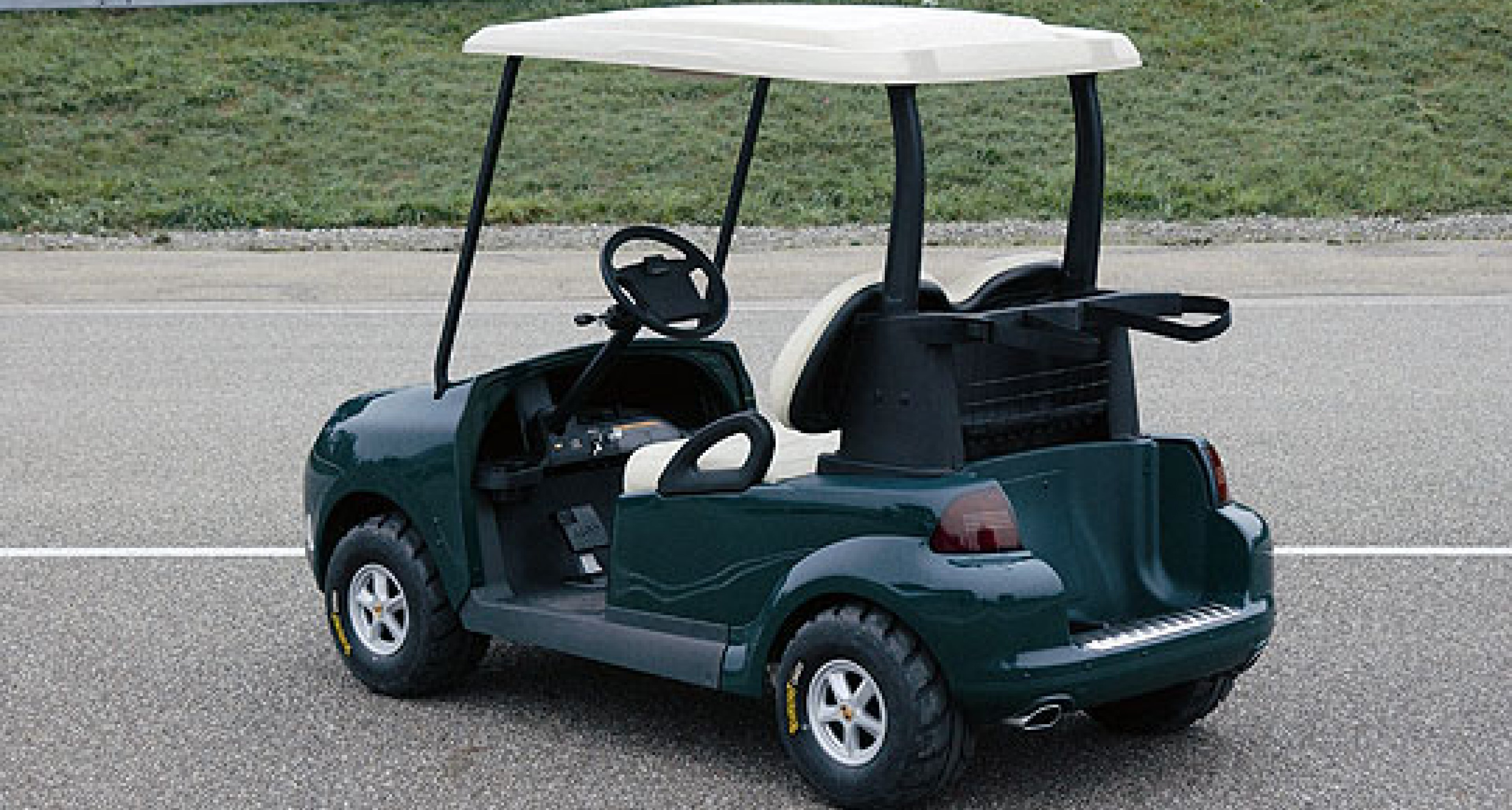 Porsche Develops Prototype Golf Car