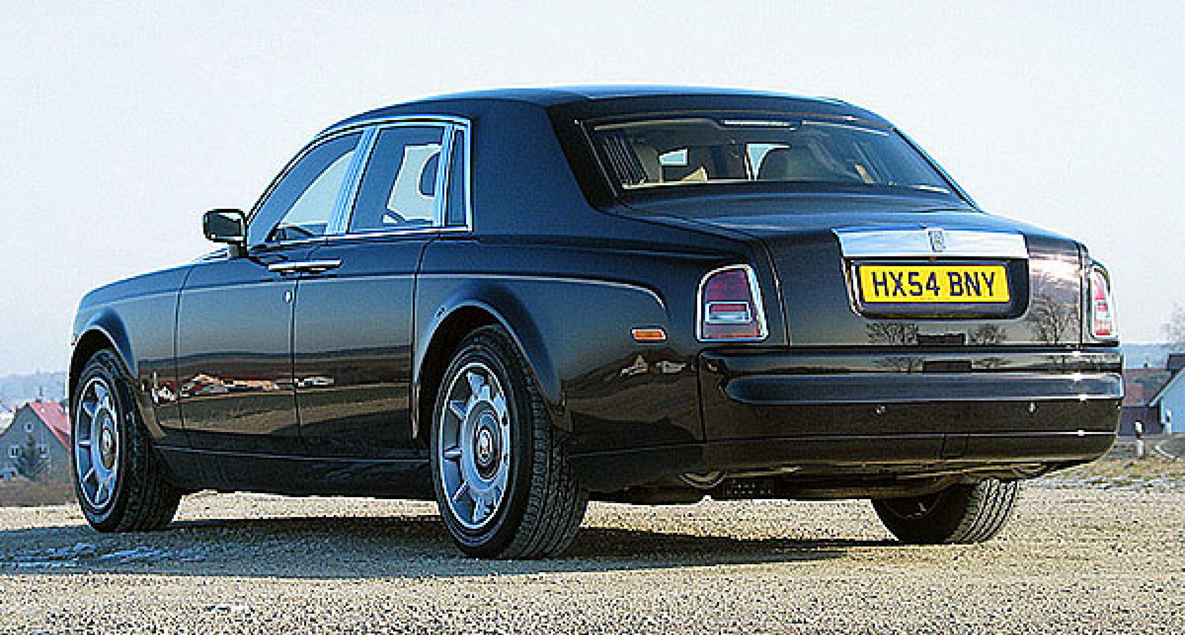 Photographic studies of the design of the new Rolls-Royce Phantom