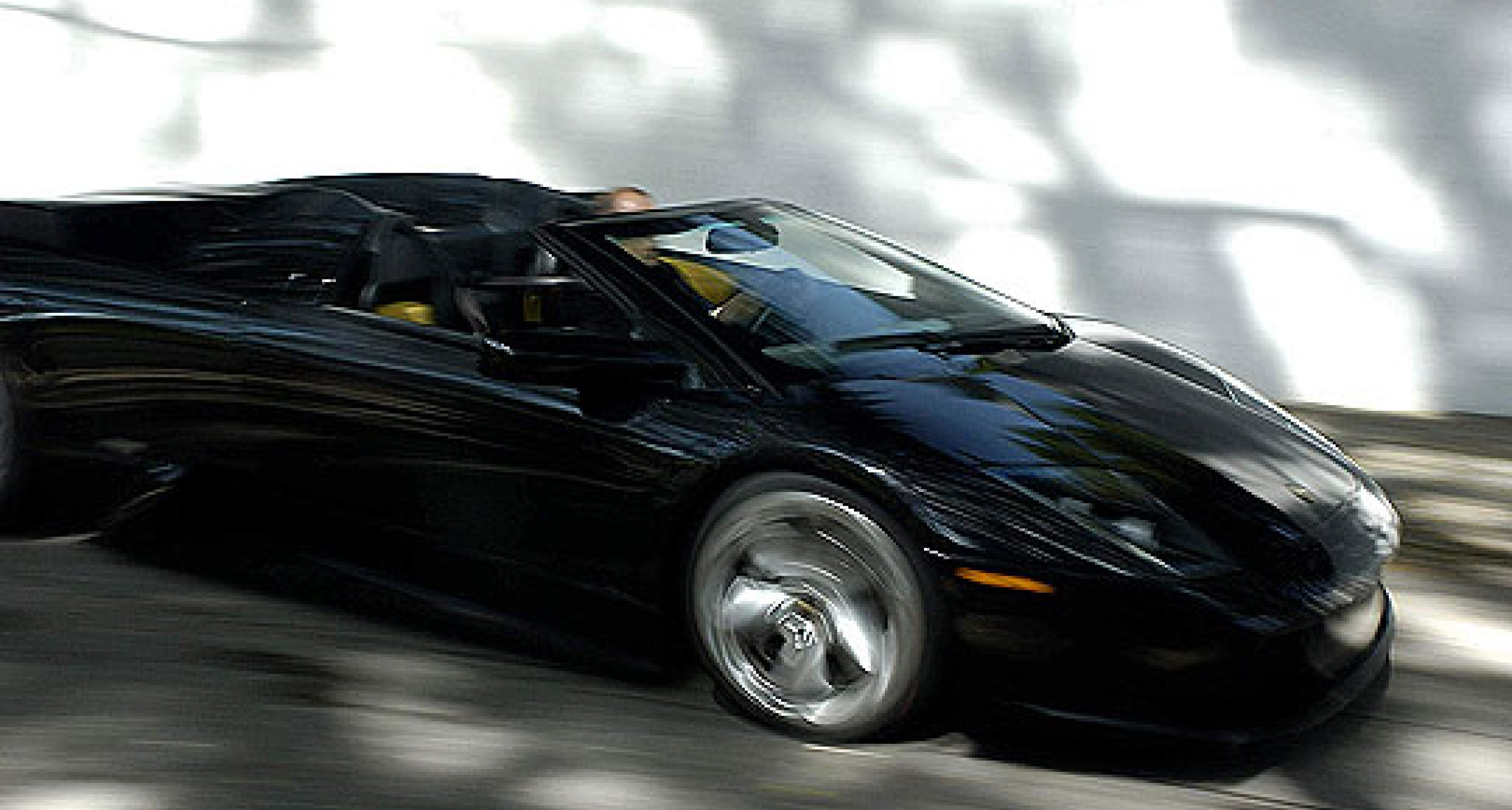 The Murciélago Roadster becomes a movie star