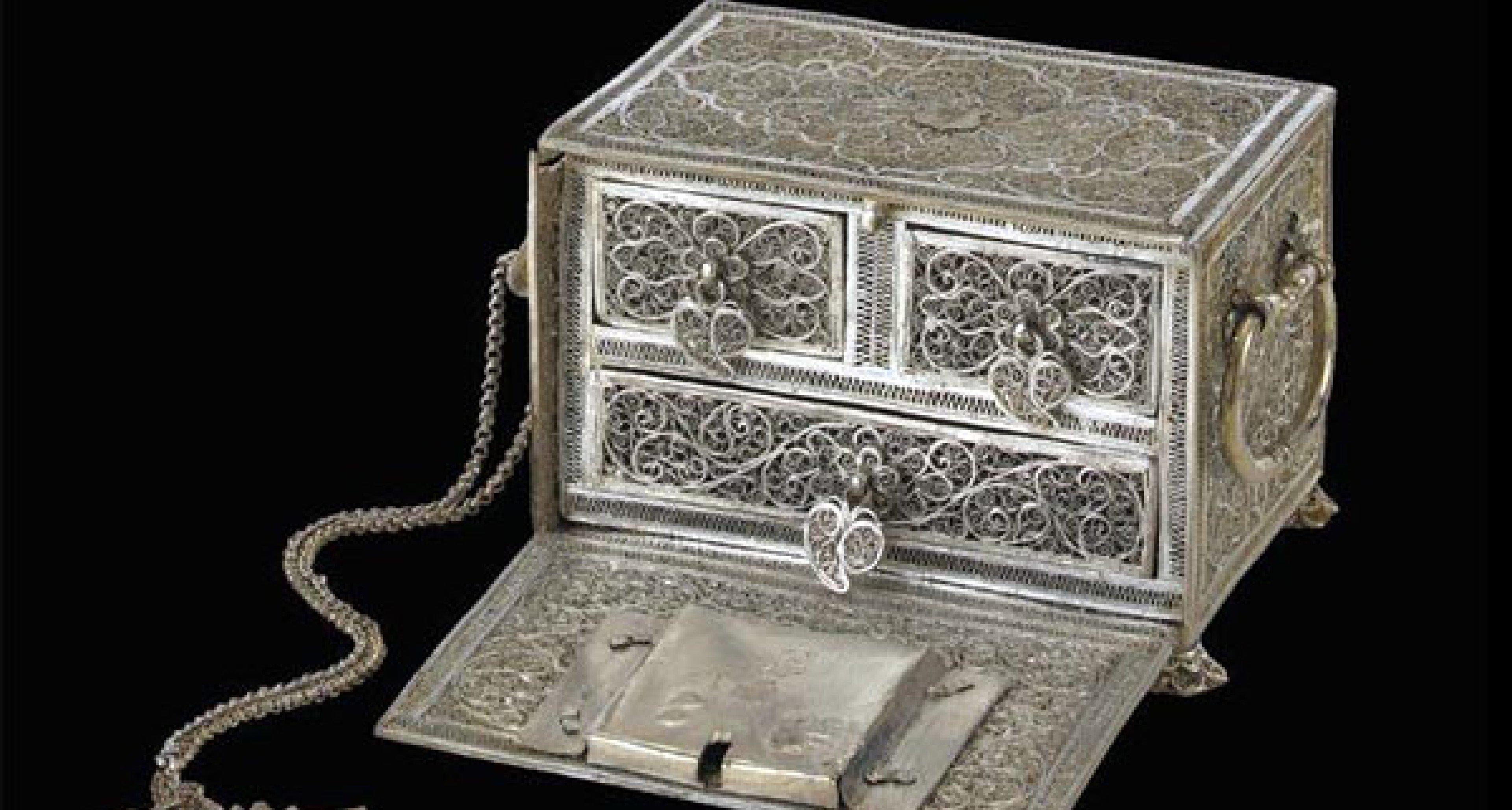 Sotheby's Auktion auf Schloss Marienburg: Welfenschatz unterm Hammer