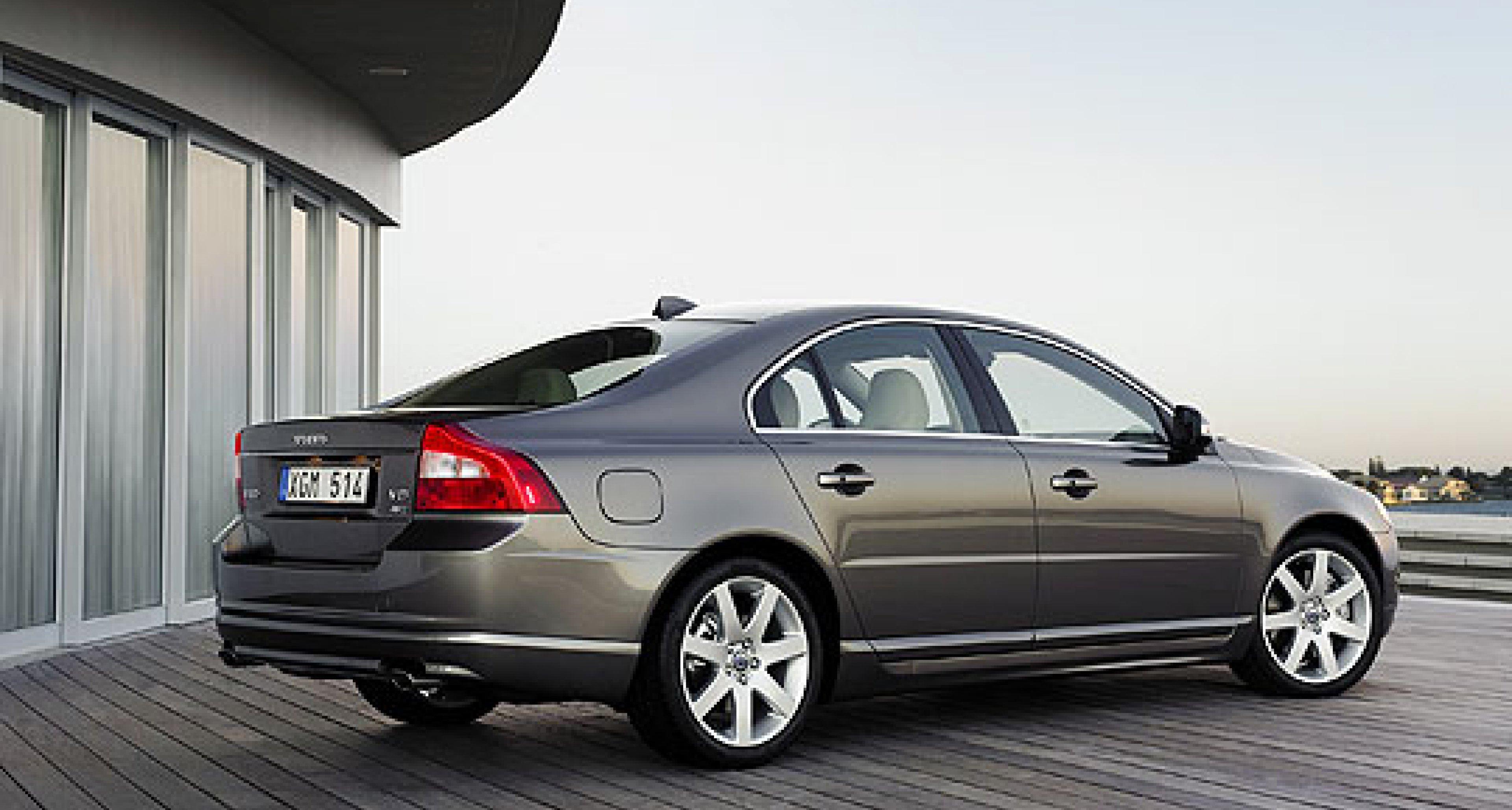 Volvo announces new S80