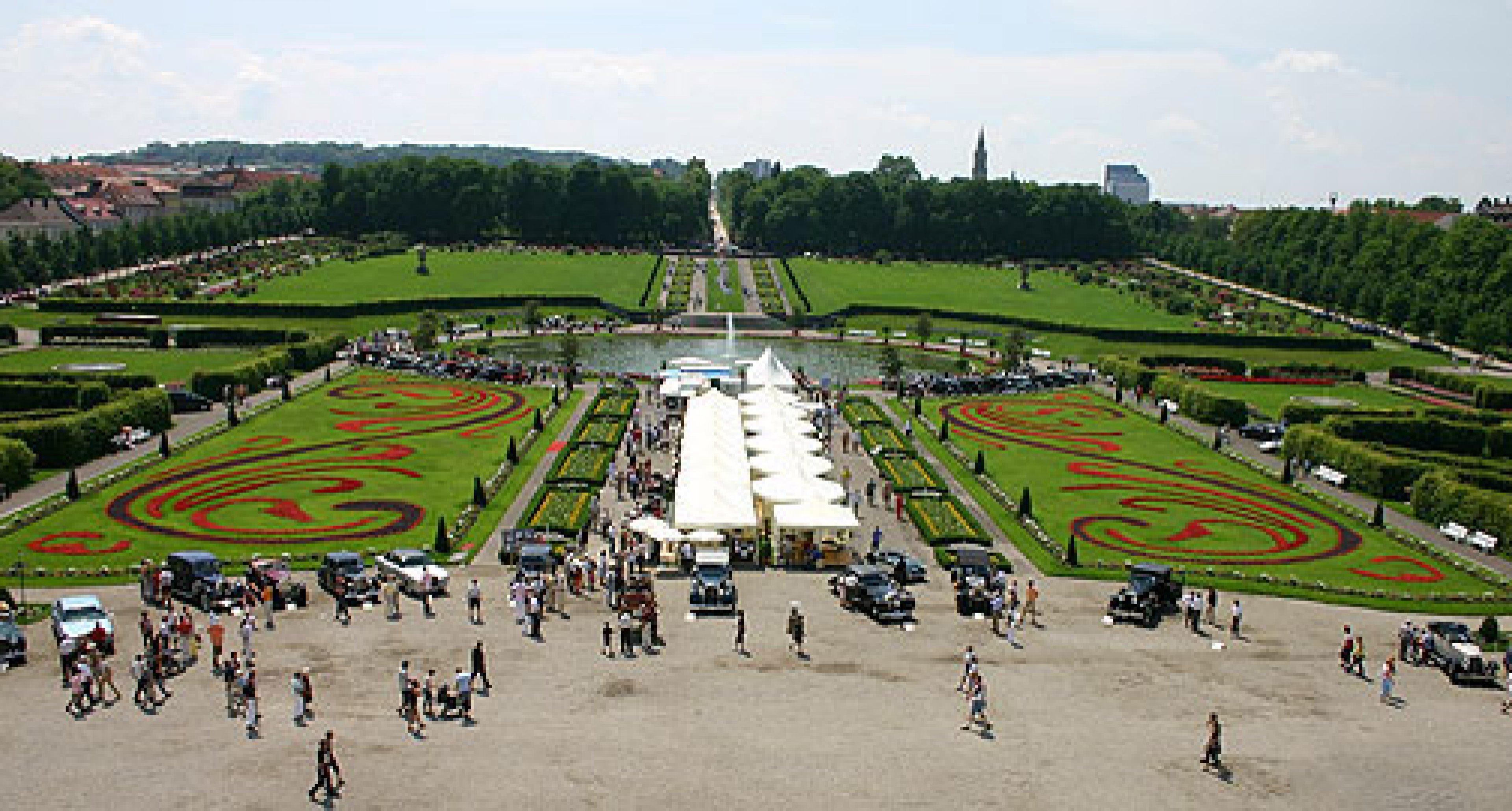 Retro Classics meets Barock 2008: Schönheiten im Schlosspark