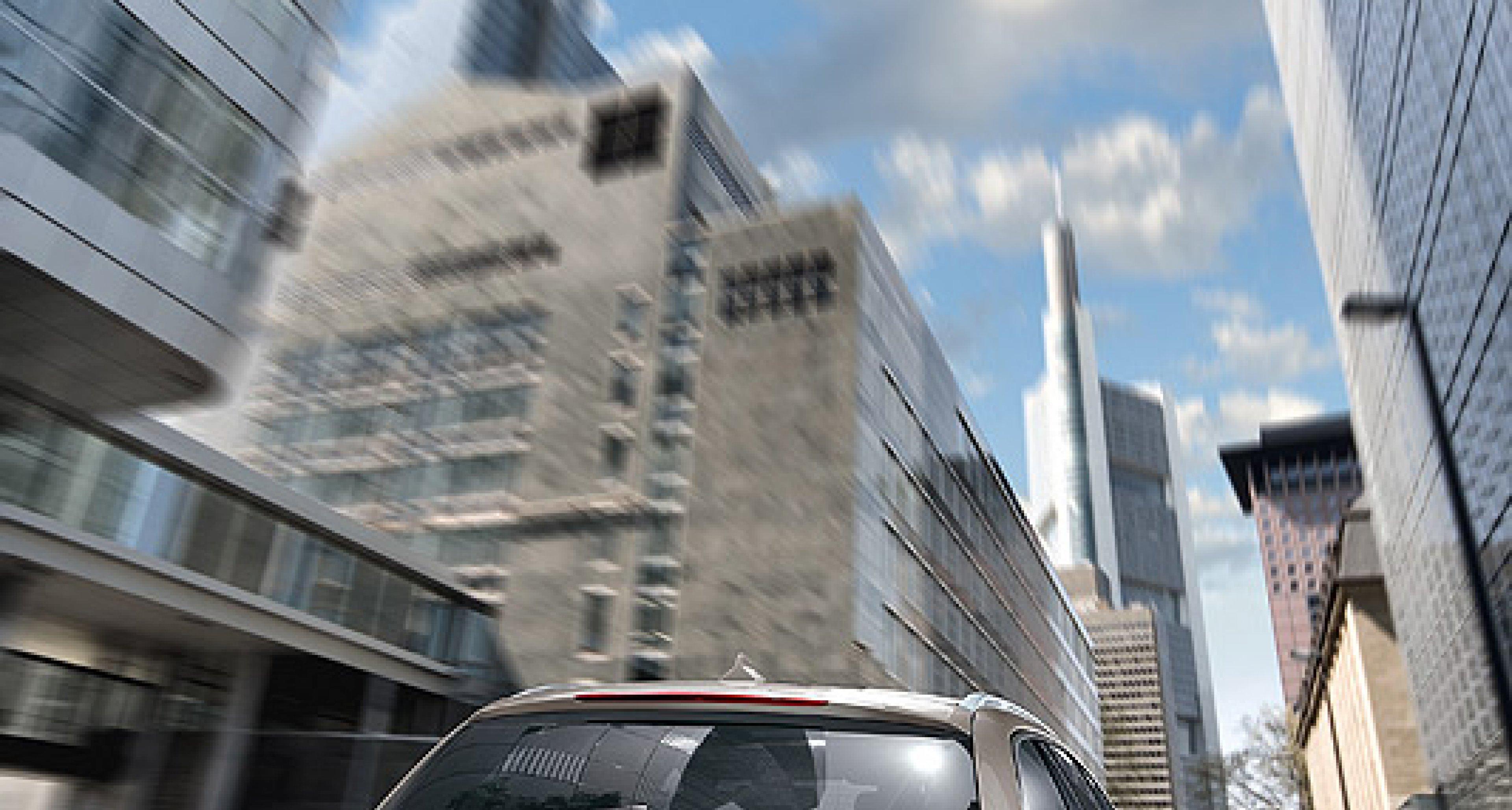 BMW 5er Touring: Weltpremiere auf der AMI 2010