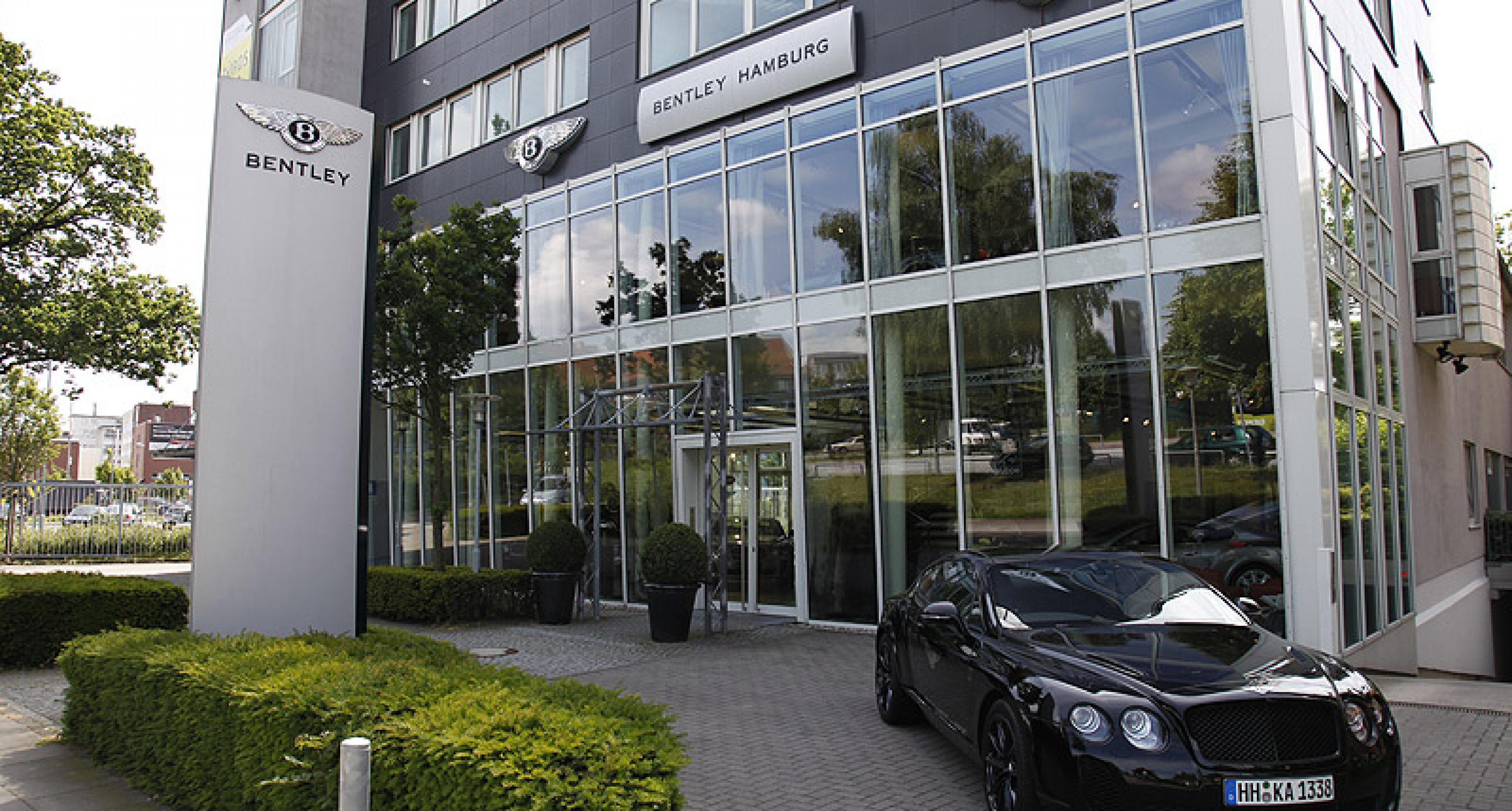 Händlerportrait: Bentley Hamburg am Airport