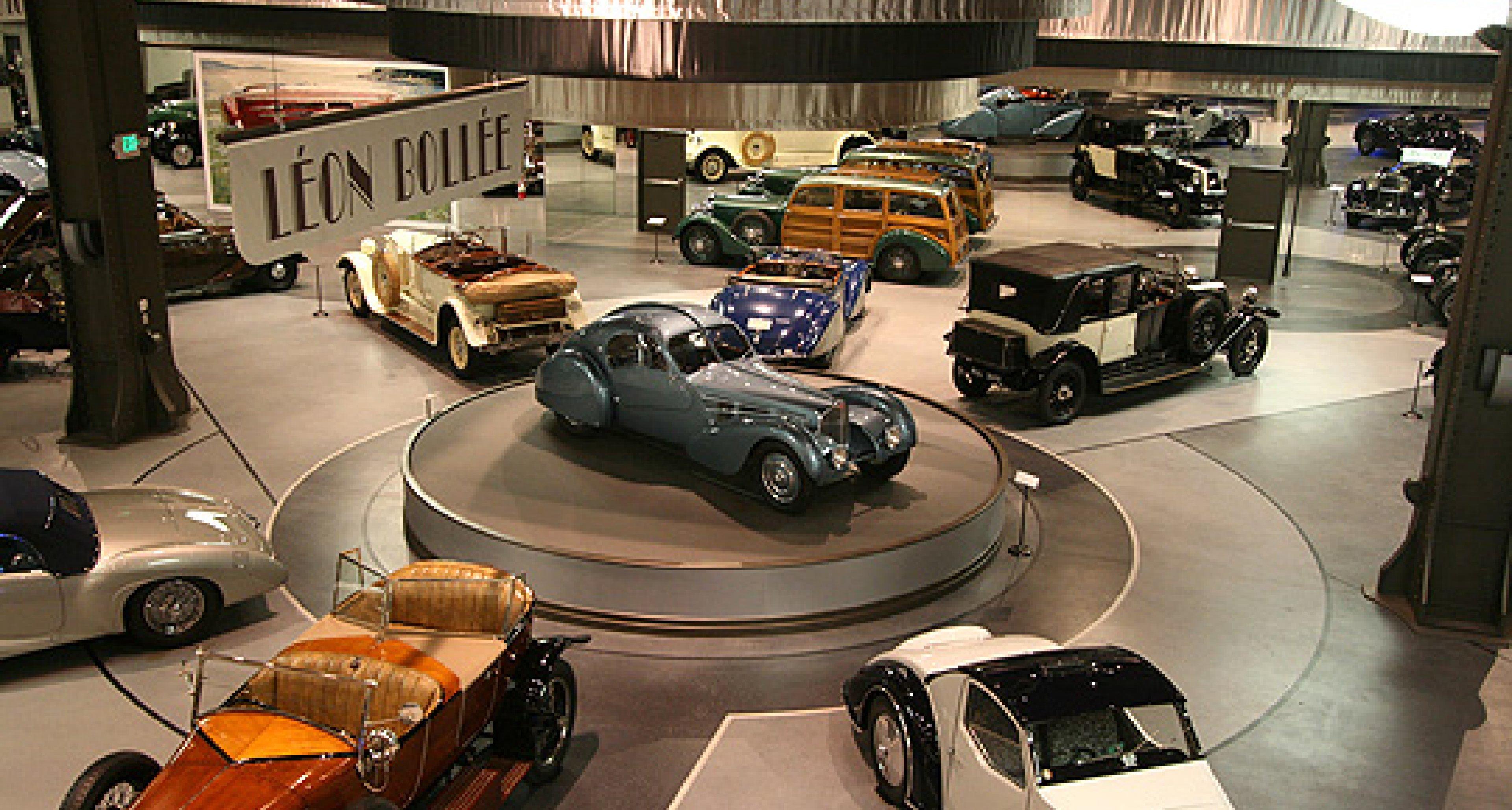 Mullin Automotive Museum: Art Déco in Kalifornien