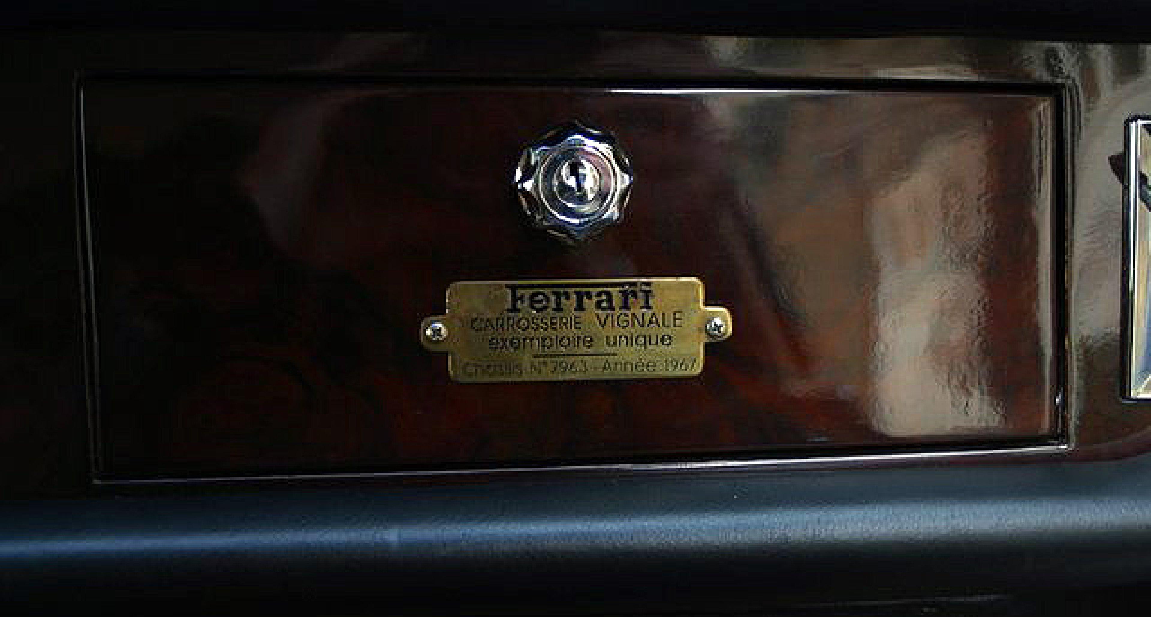 Ferrari 330 GT Shooting Brake bei Hexagon Classics