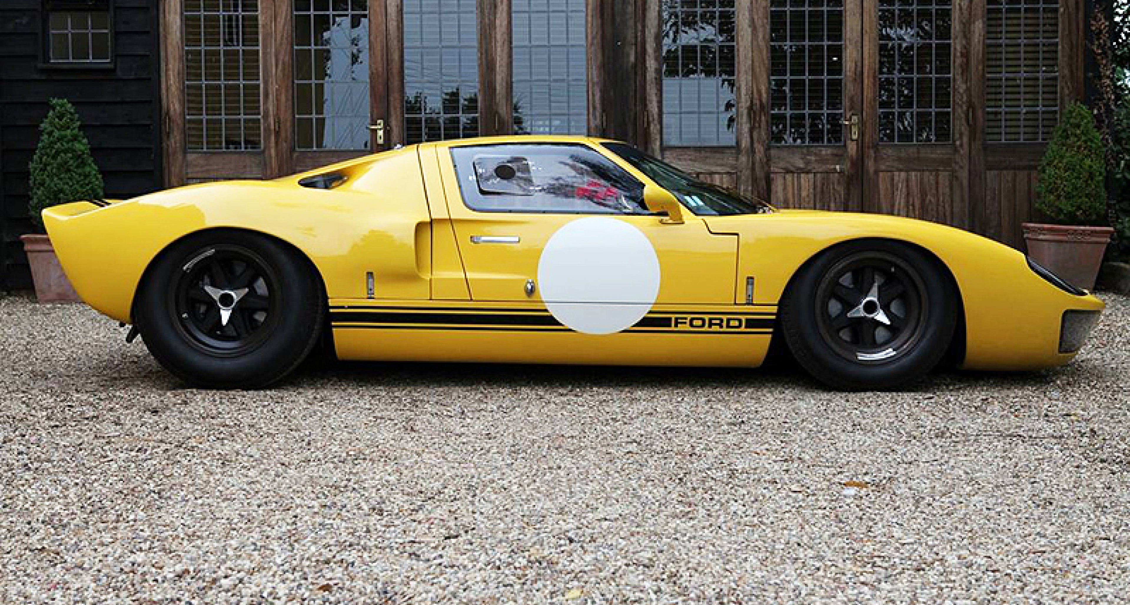 New to Classic Driver: 1965 Ford GT40, the 'Grand Prix' film camera car