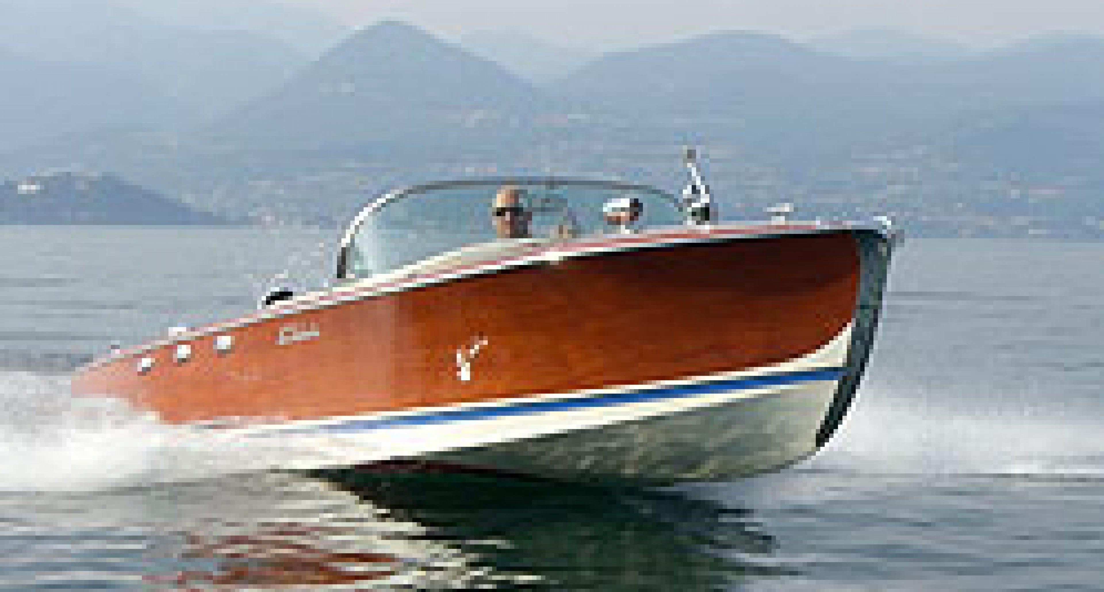 BMW V8 Abbate Runabout: Bavarian speedboat
