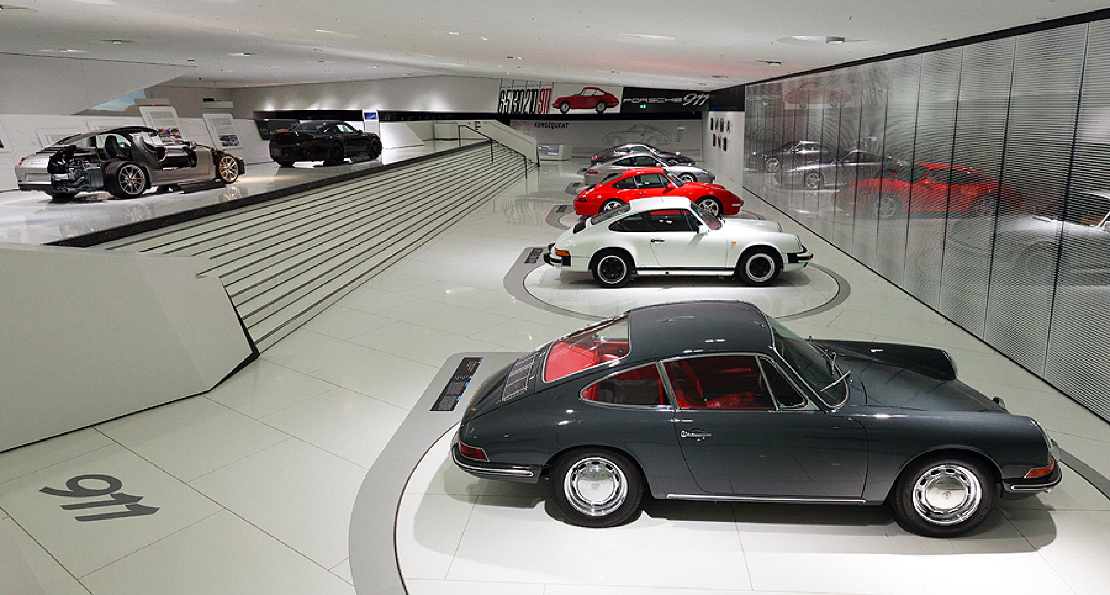 """Sonderausstellung """"Identität 911"""" im Porsche Museum"""