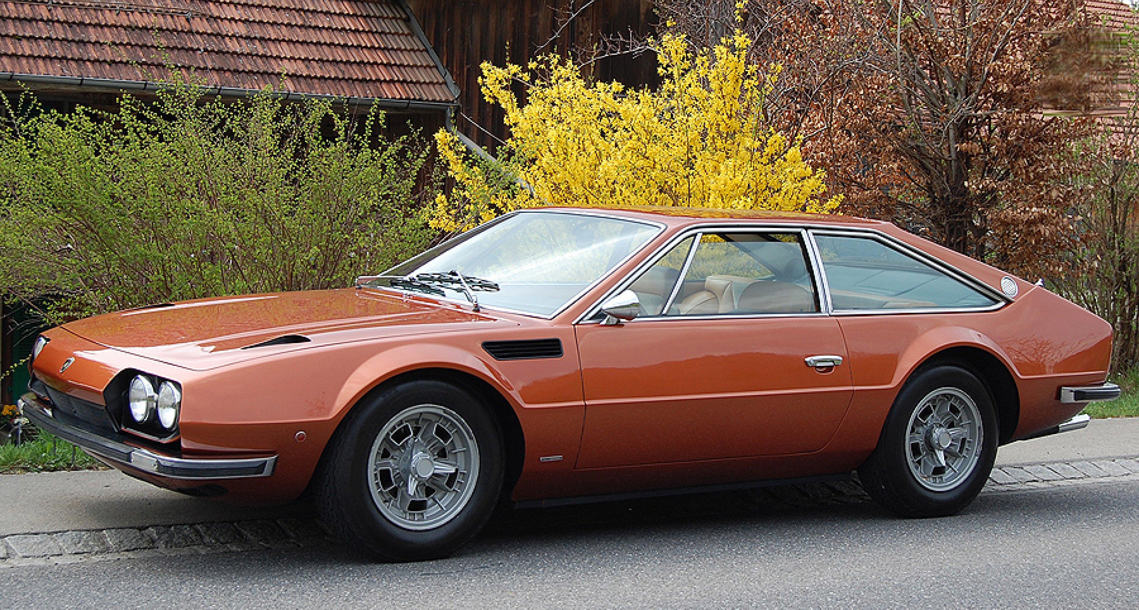 Oldtimer Galerie Toffen versteigert 100 klassische Automobile