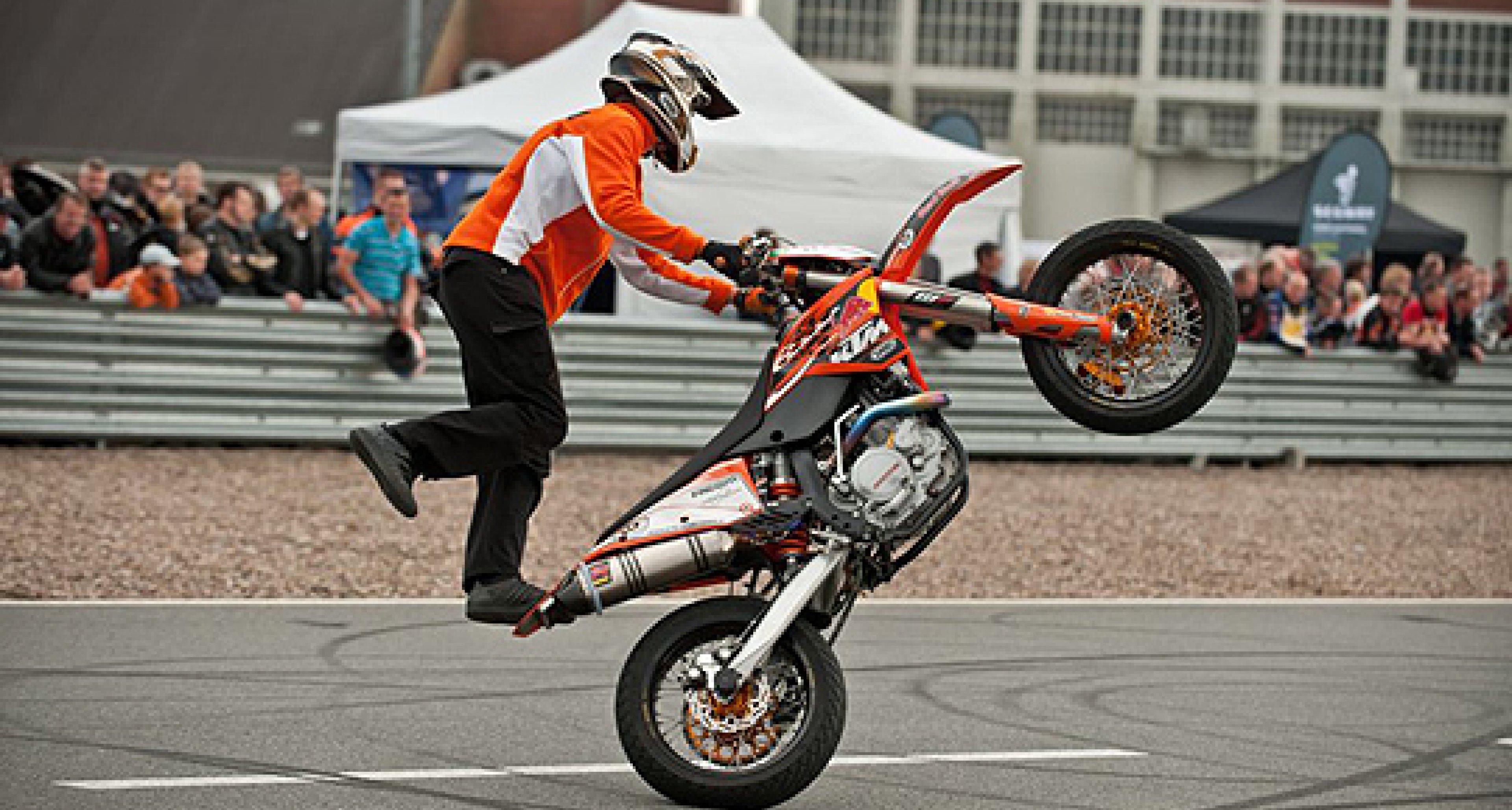 Motorrad StartUp Day 2012 im FSZ Lüneburg: Gentlemen, kick-start your engines!