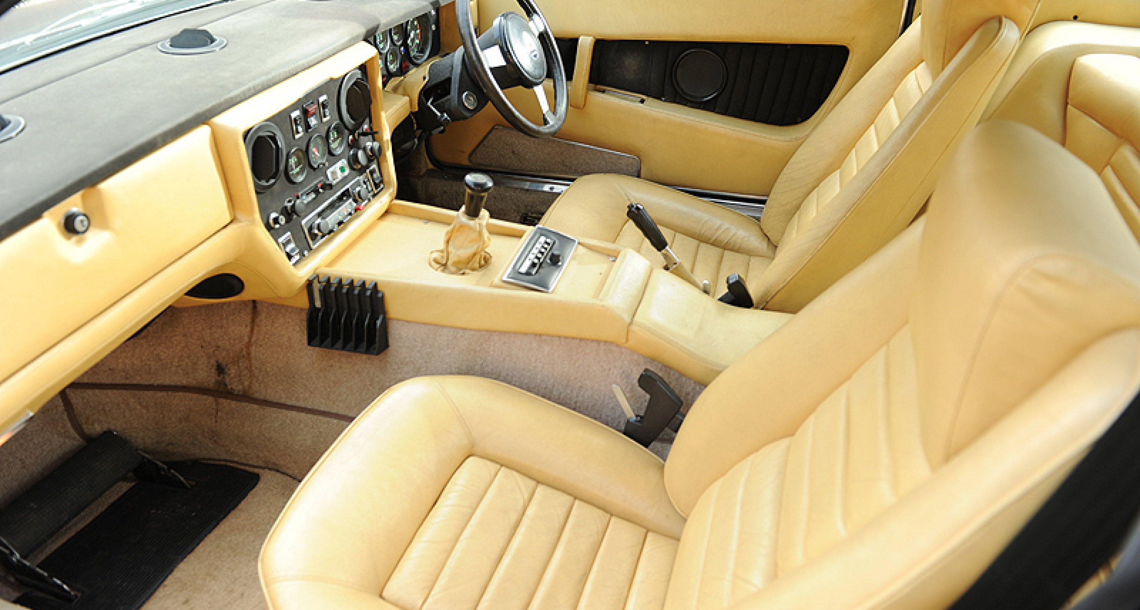 Maserati Khamsin Coupé: Dreizack-Keil von Bertone