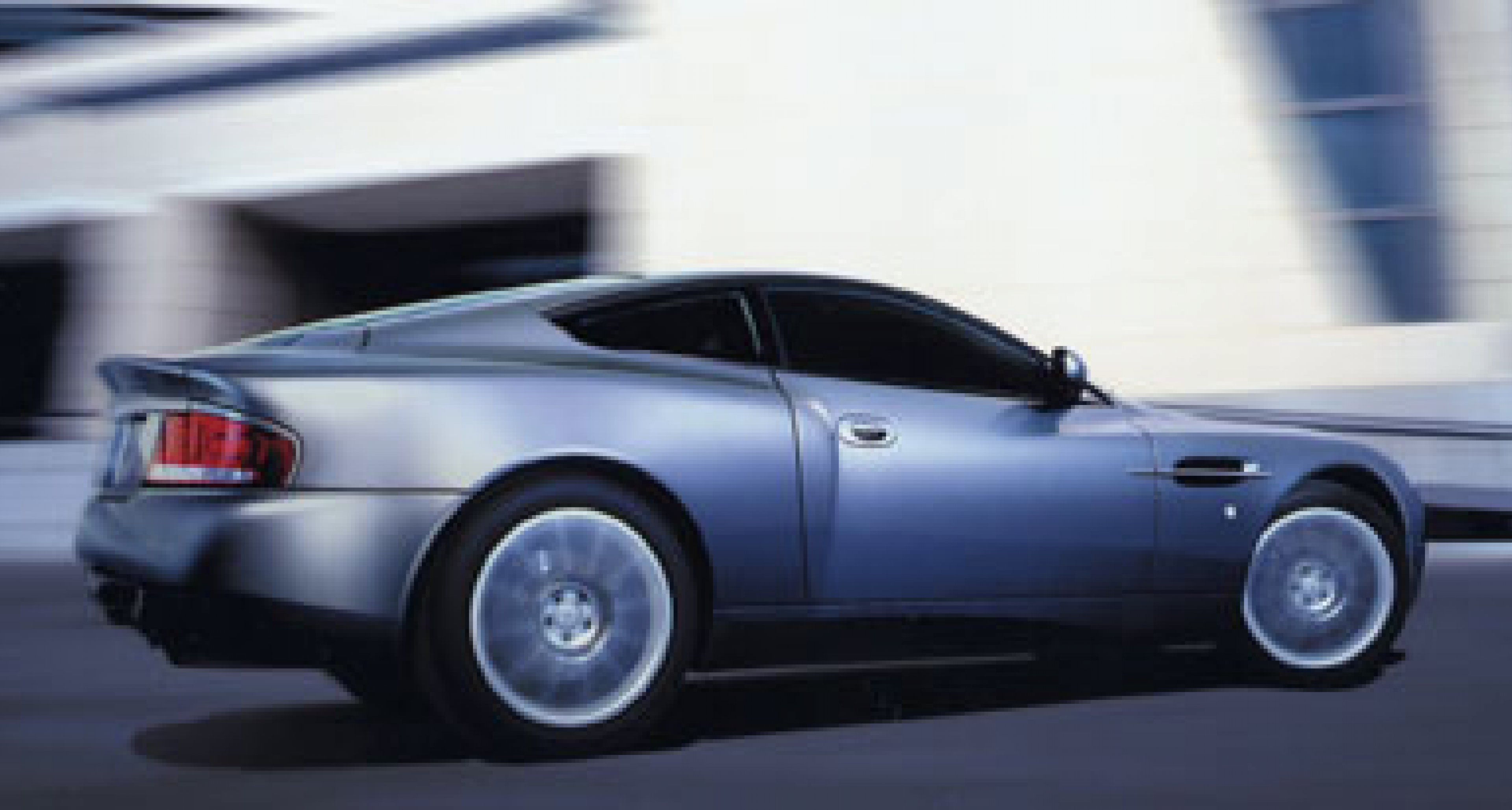 Aston Martin Vanquish - significant changes for 2004