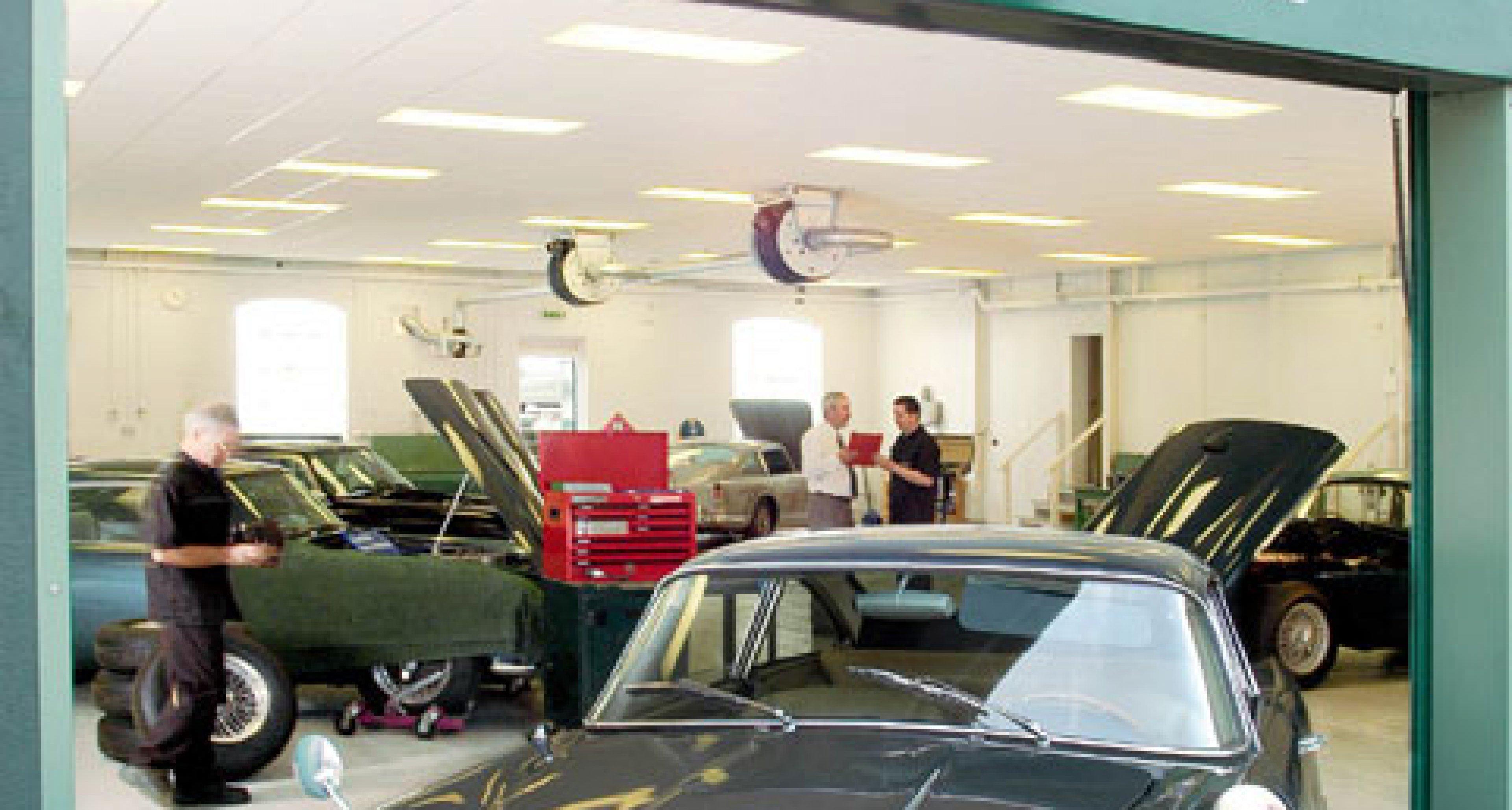 Aston Martin Lagonda: Neues Restaurationszentrum