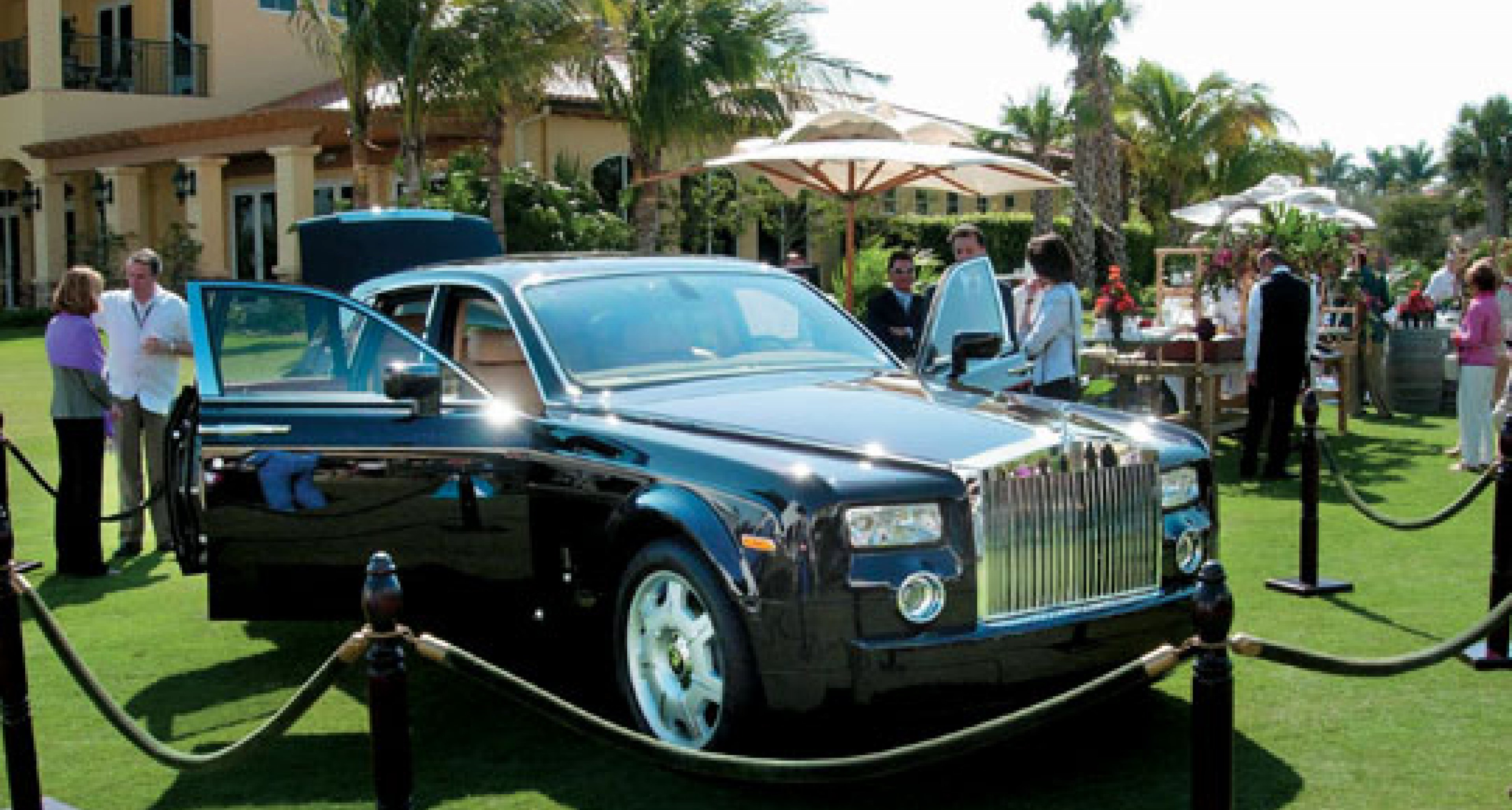 Rolls-Royce Phantom sells for $800,000