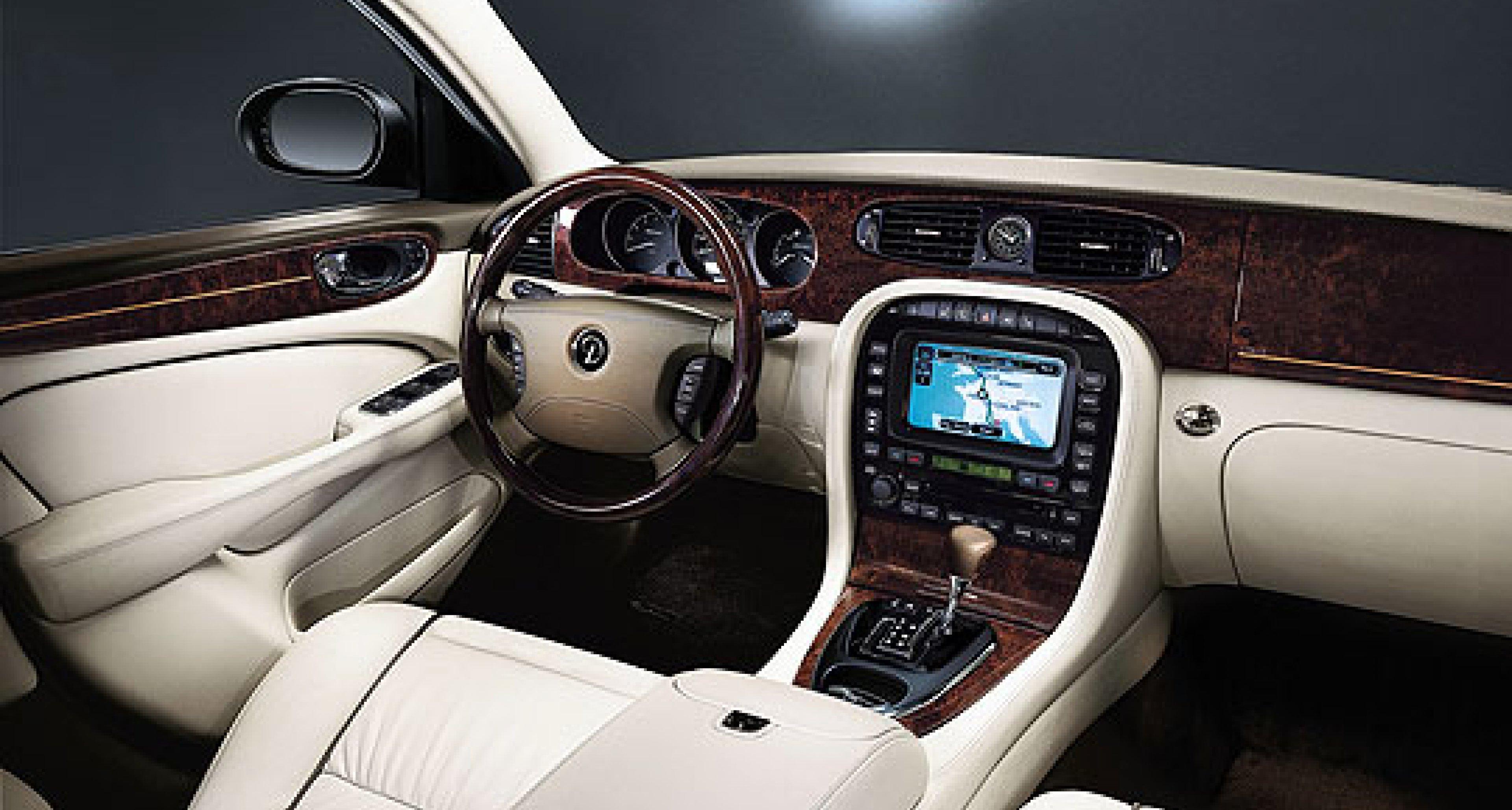 The New Daimler Super Eight