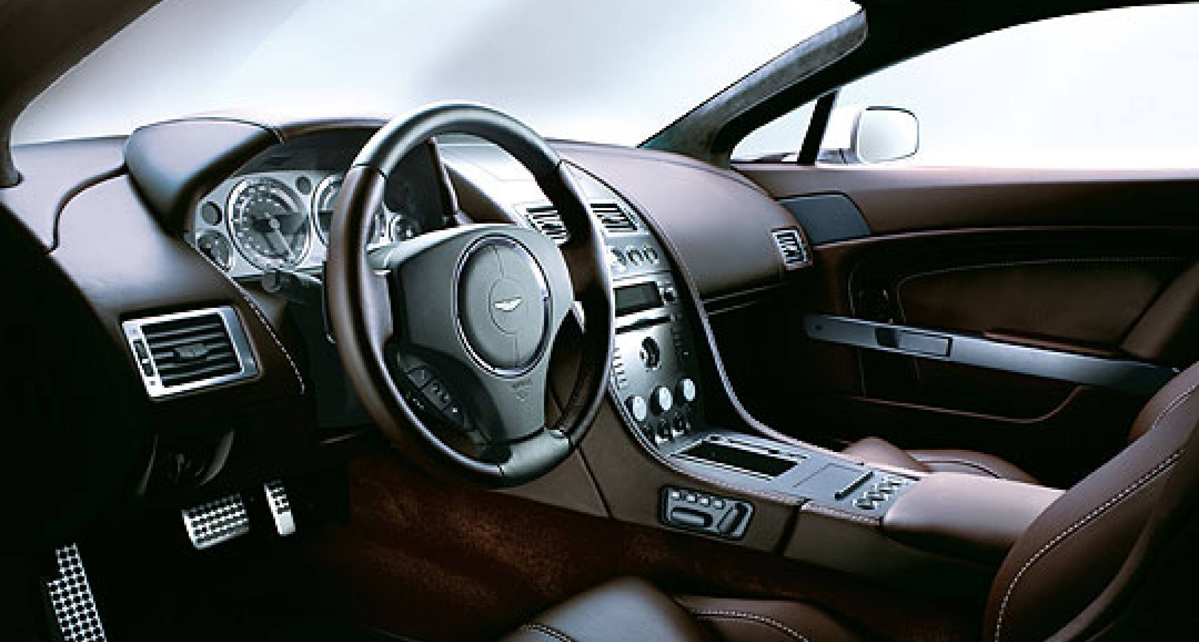 New 'Sportshift' Transmission for Aston Martin V8 Vantage
