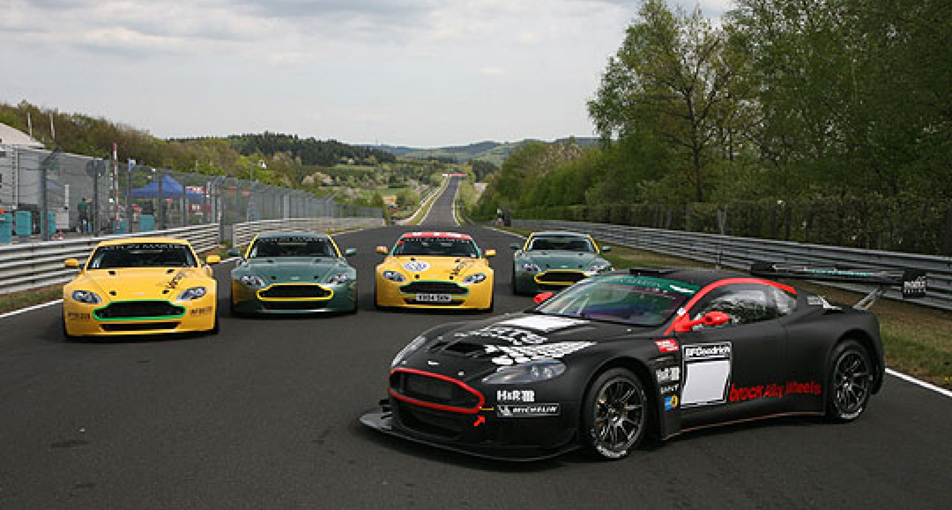 Aston Martin out in force at the Nordschleife in 2007