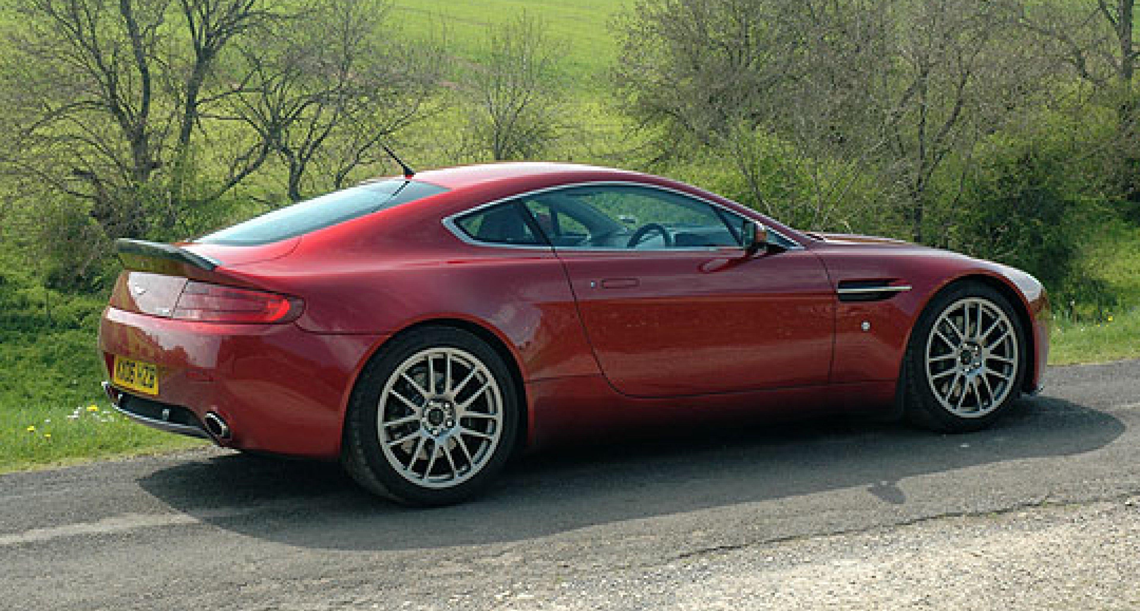 Aston Martin V8 Vantage by Prodrive