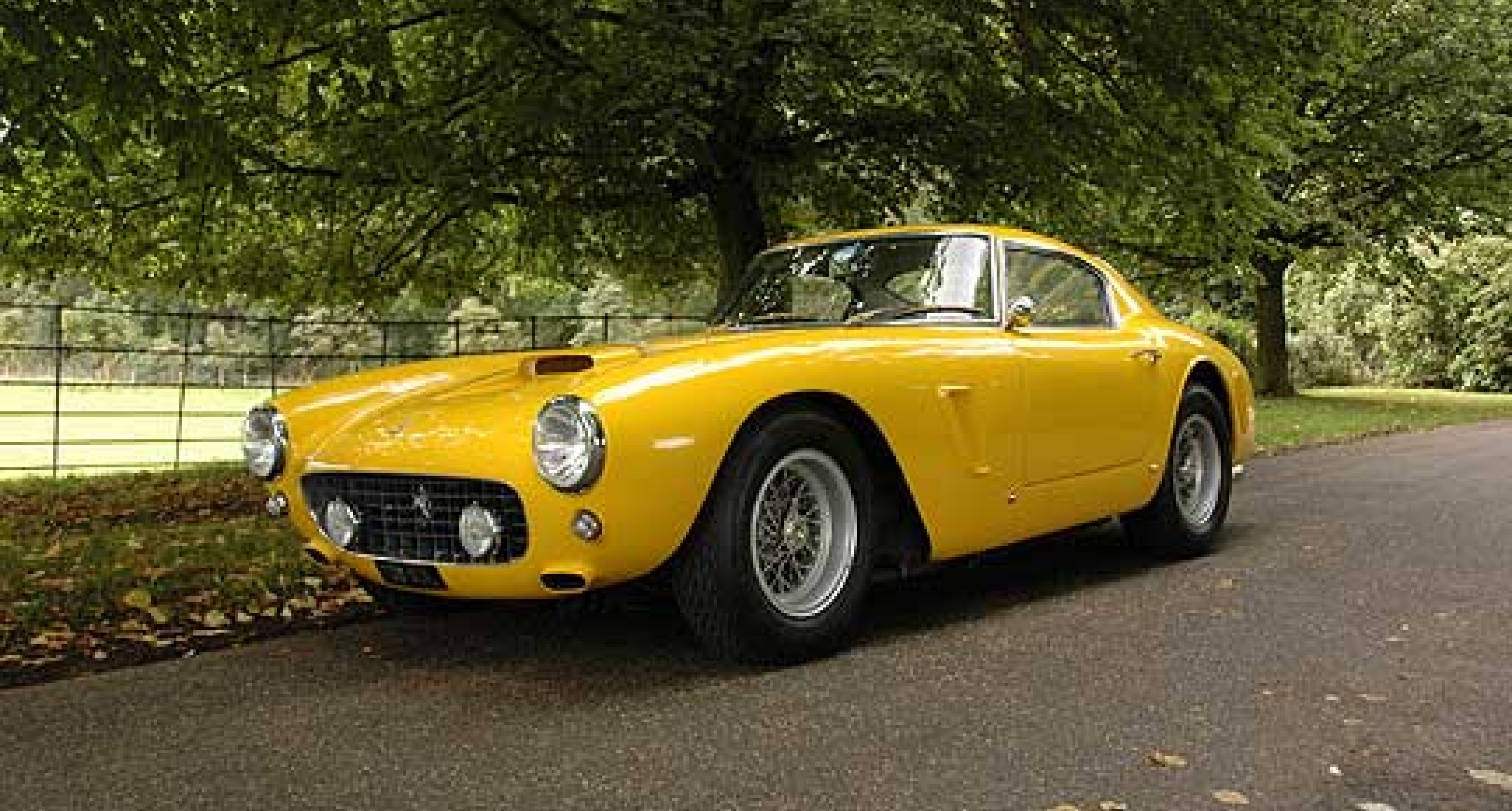 Ferrari 250 GT SWB Recreation: A Fast Drive in the Country