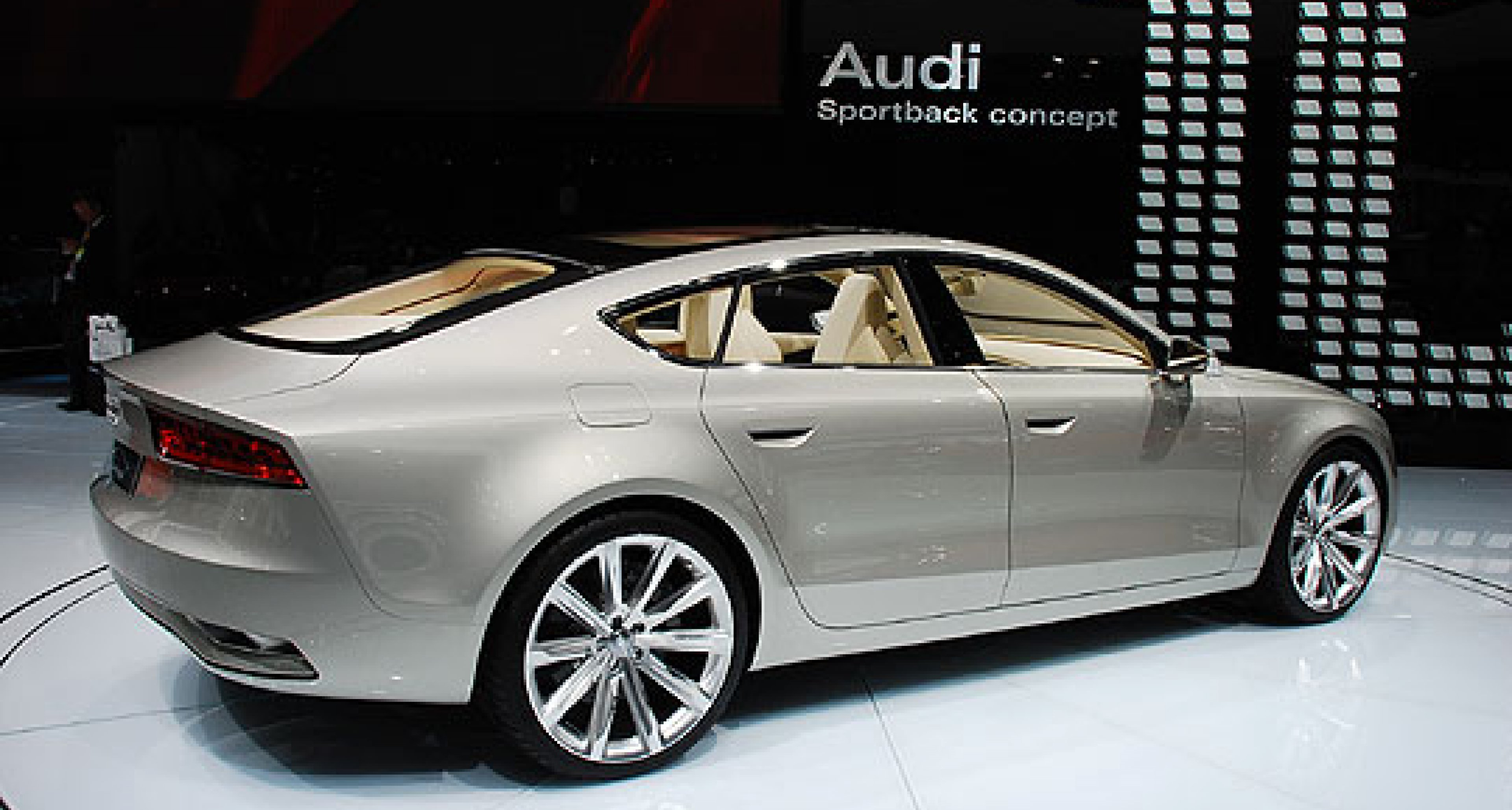Audi Sportback Concept Impresses in Detroit