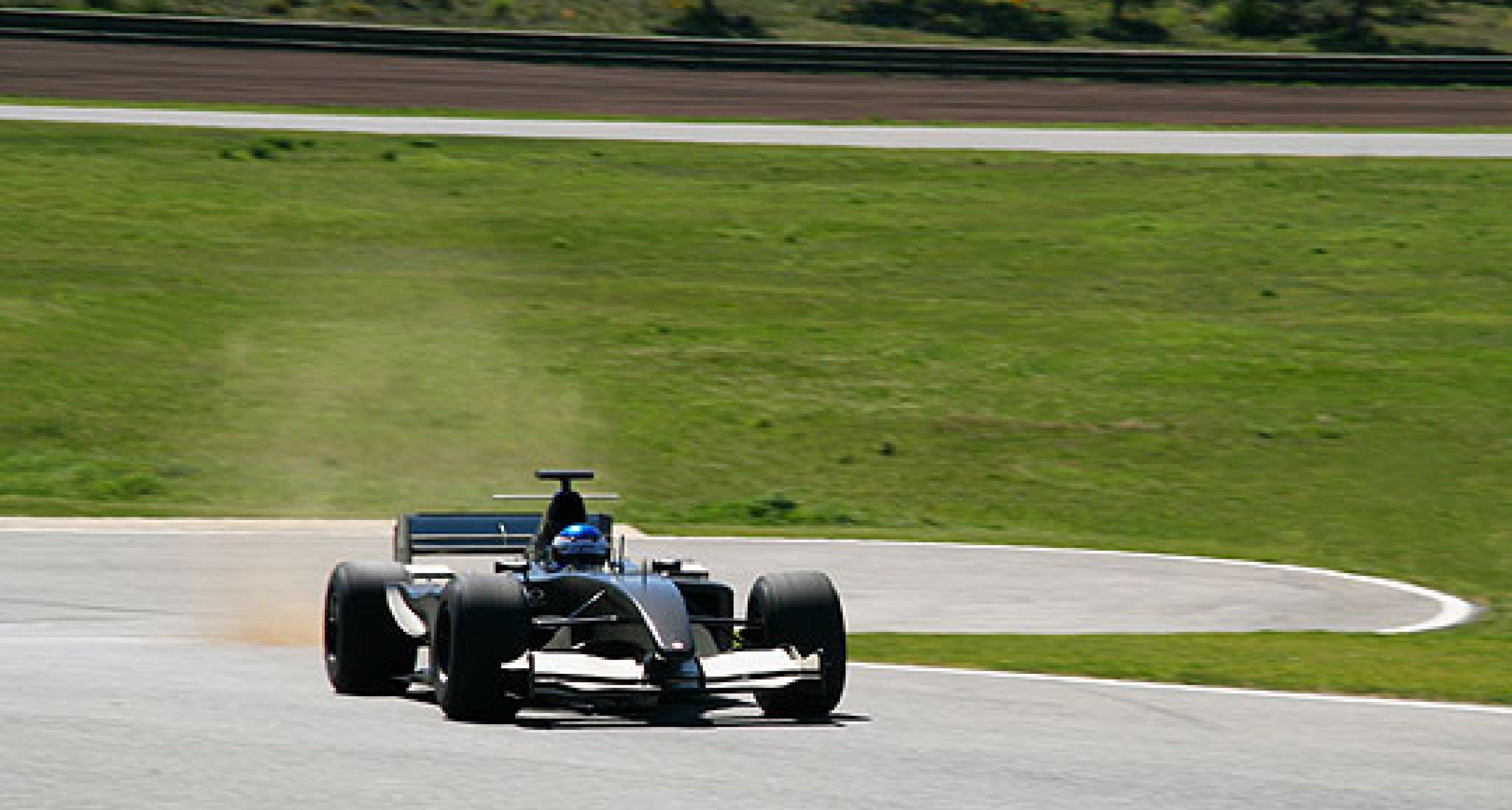 FV10 Teams Up with Ascari Race Resort
