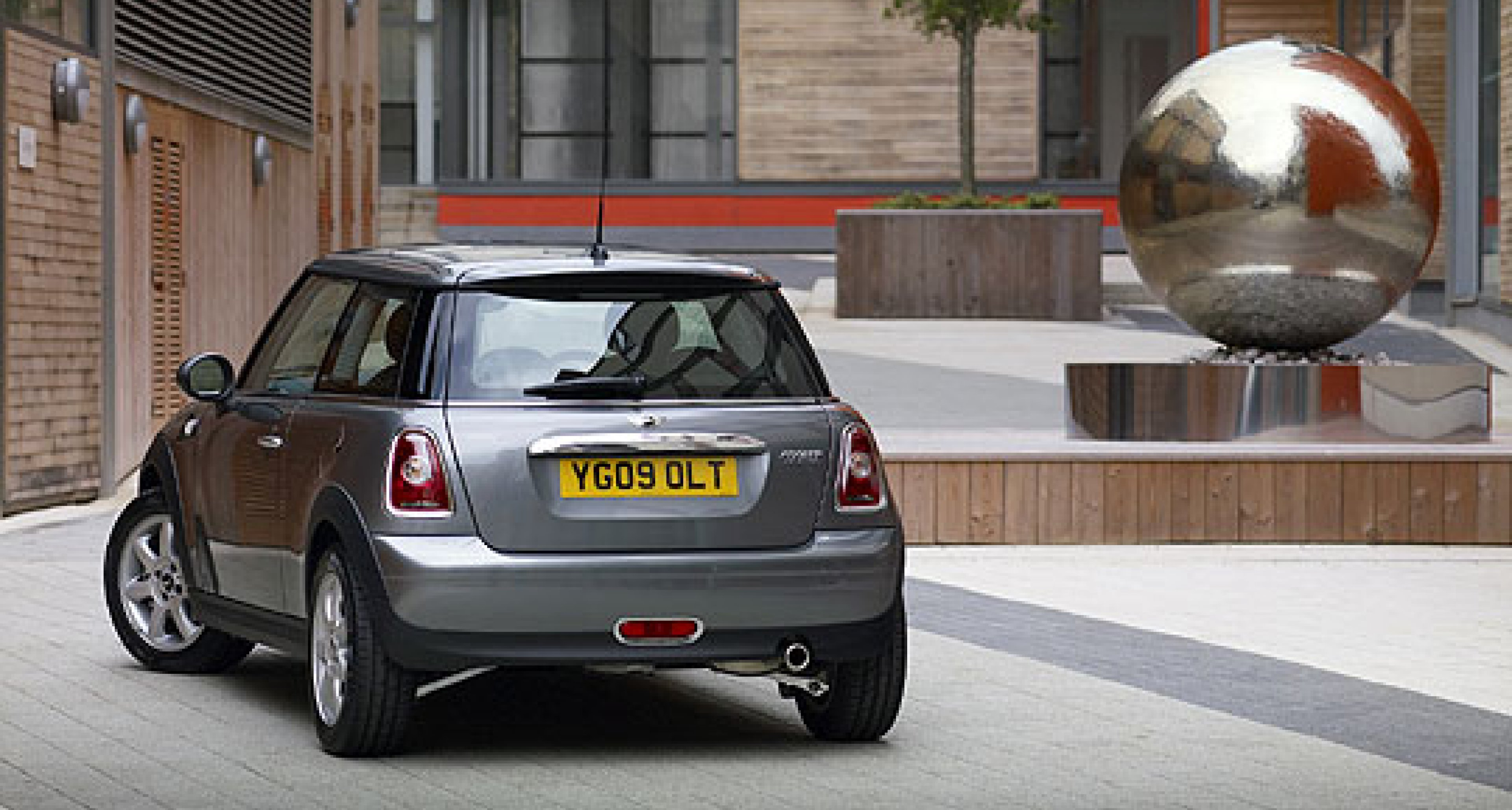 Design Analysis: New MINI and Fiat 500