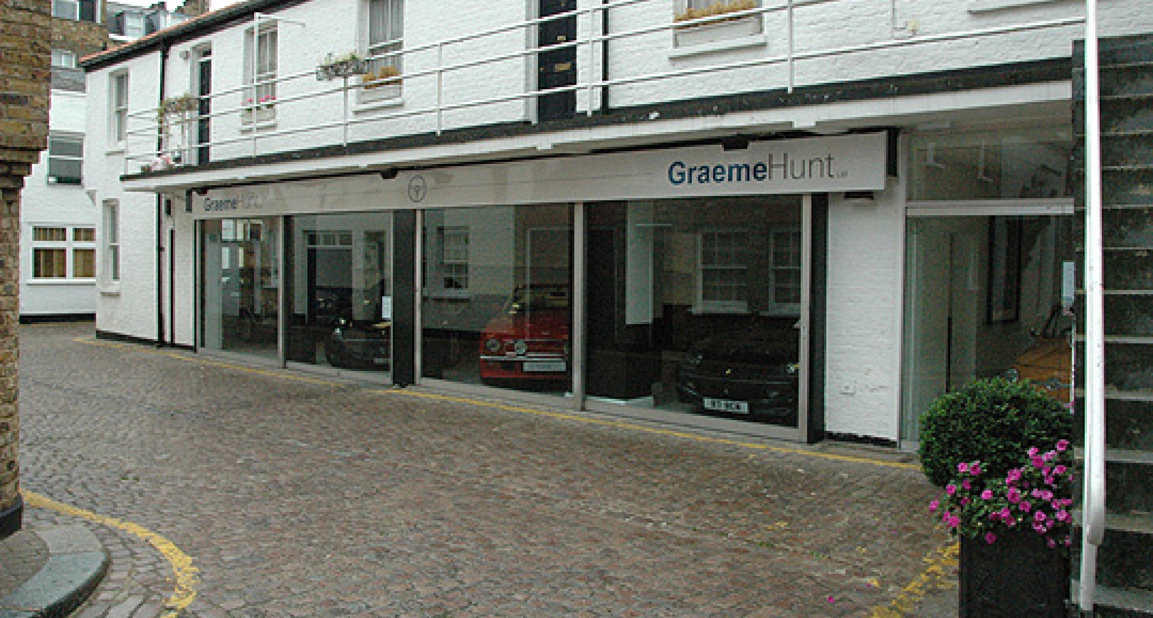 Dealer Profile: Graeme Hunt