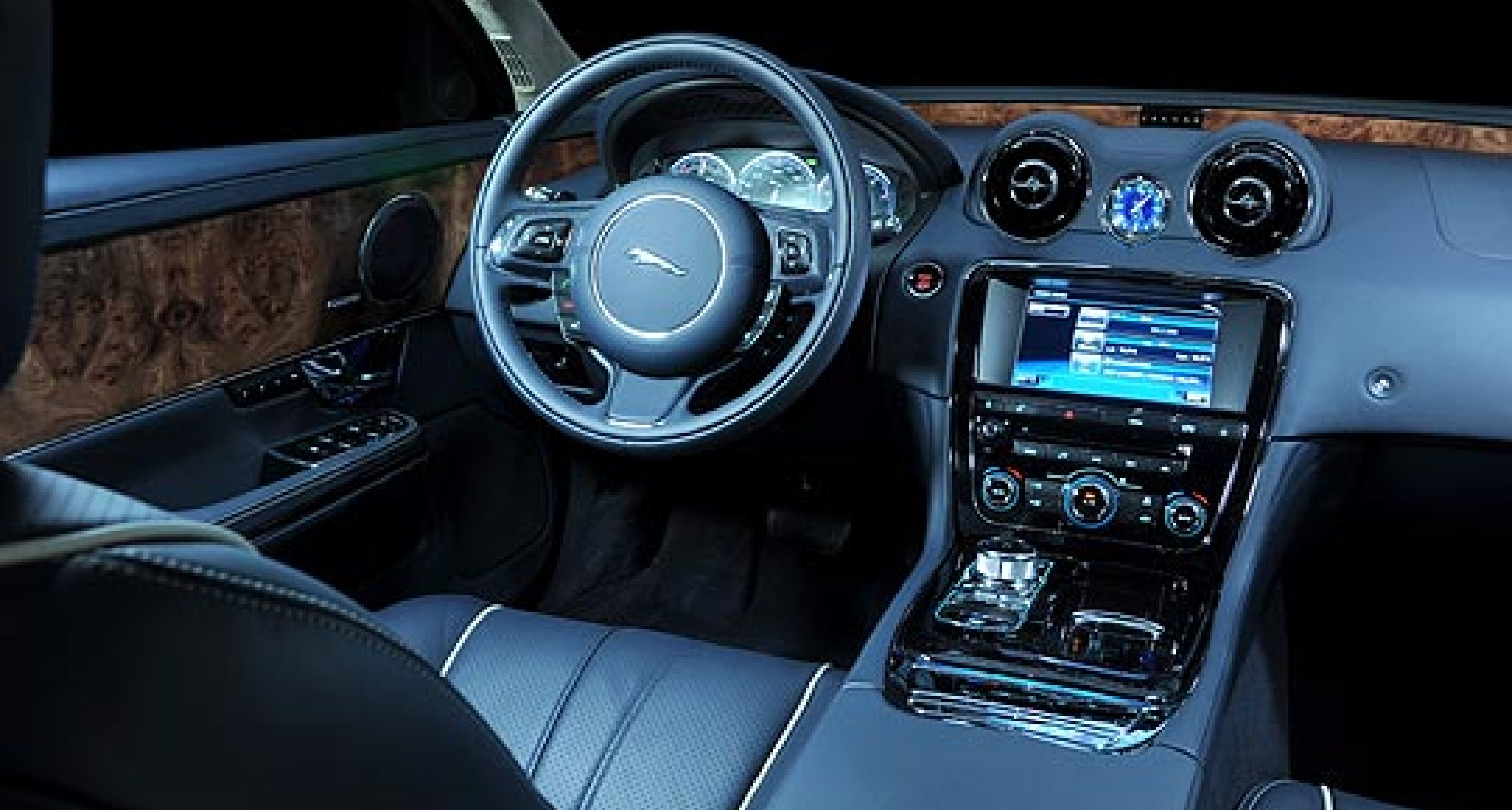 Jaguar XJ: Beyond the Comfort Zone