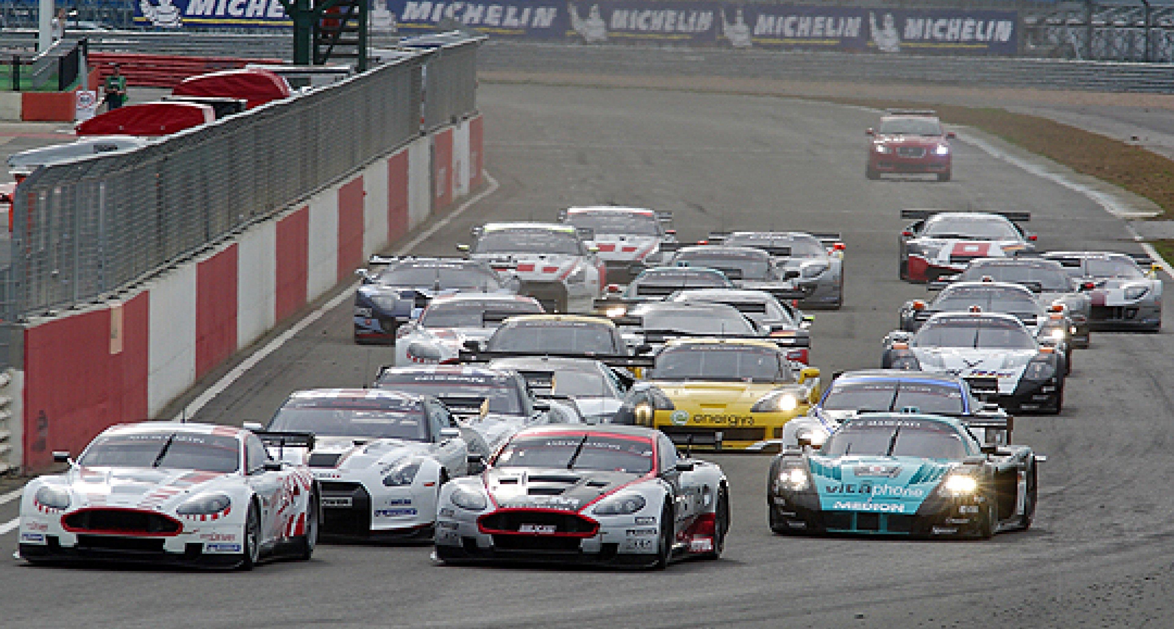 'Silverstone Supercar' Royal Automobile Club Tourist Trophy 2010