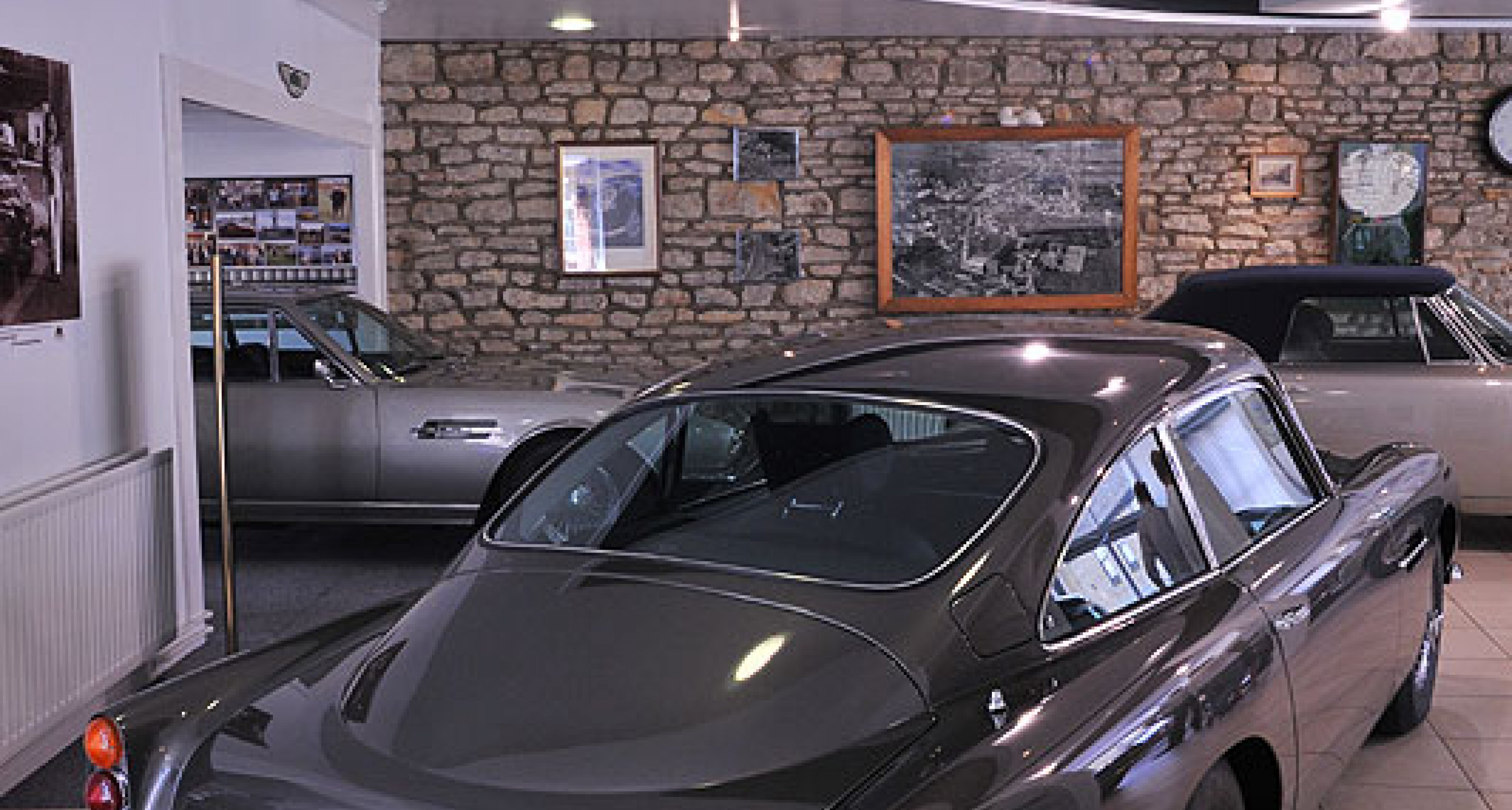 Desmond Smail Opens New Olney Showrooms