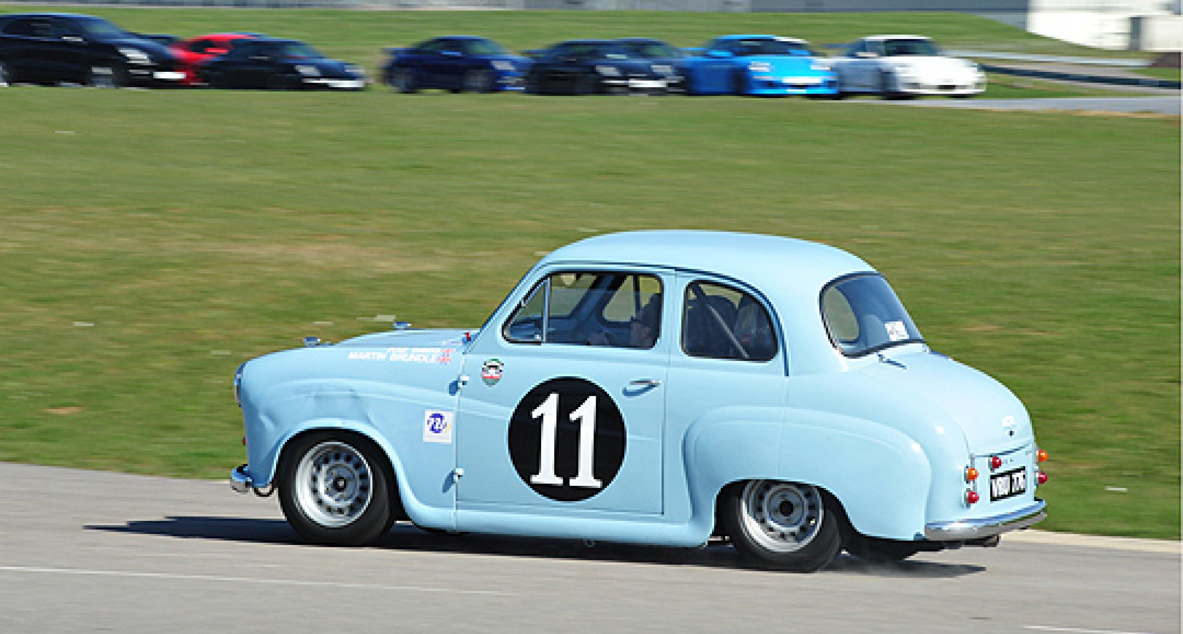 HRDC: A Return to 'Old School' Club Racing...