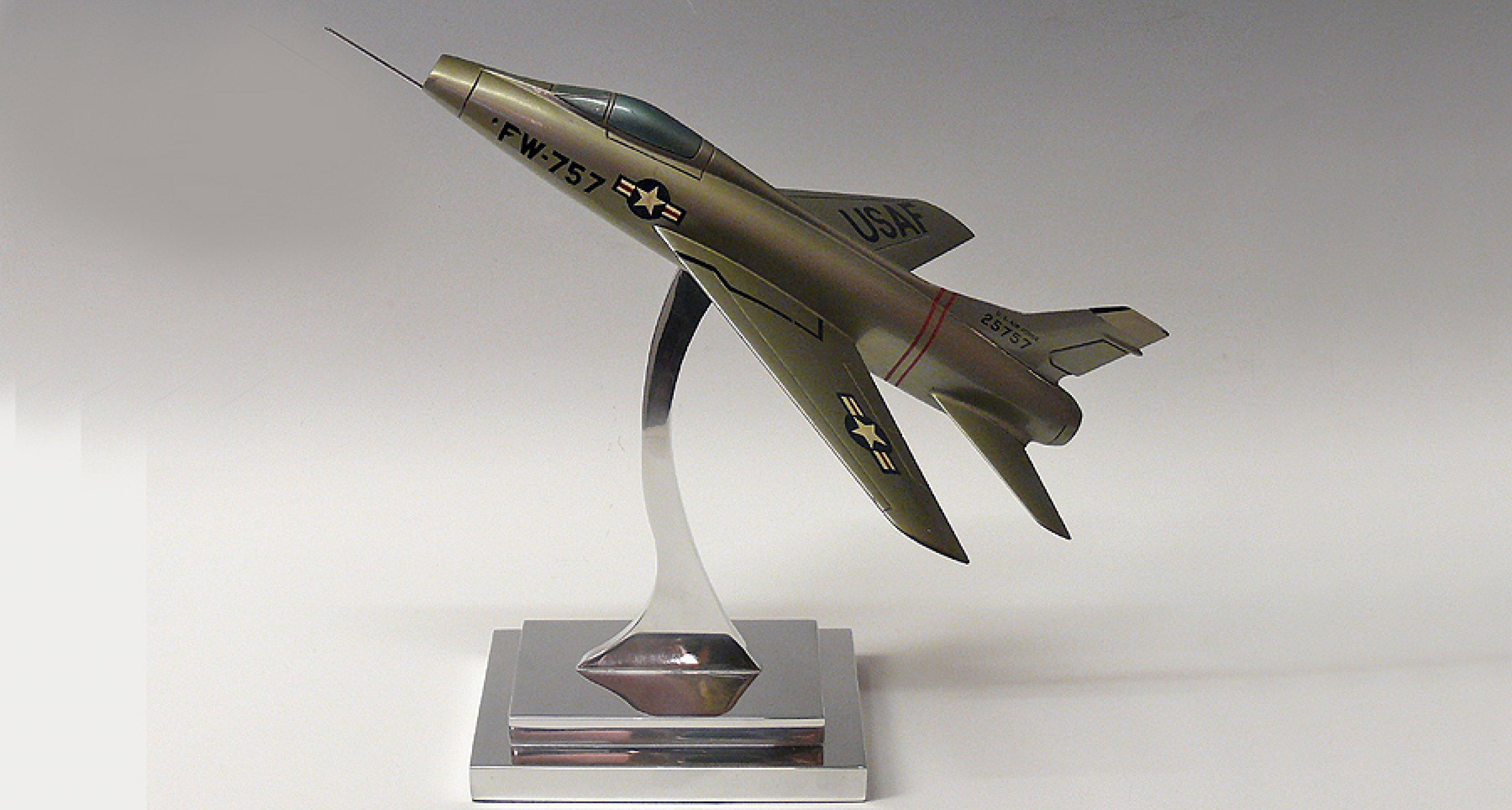 Classic Life Selected: F-100 Super Sabre model