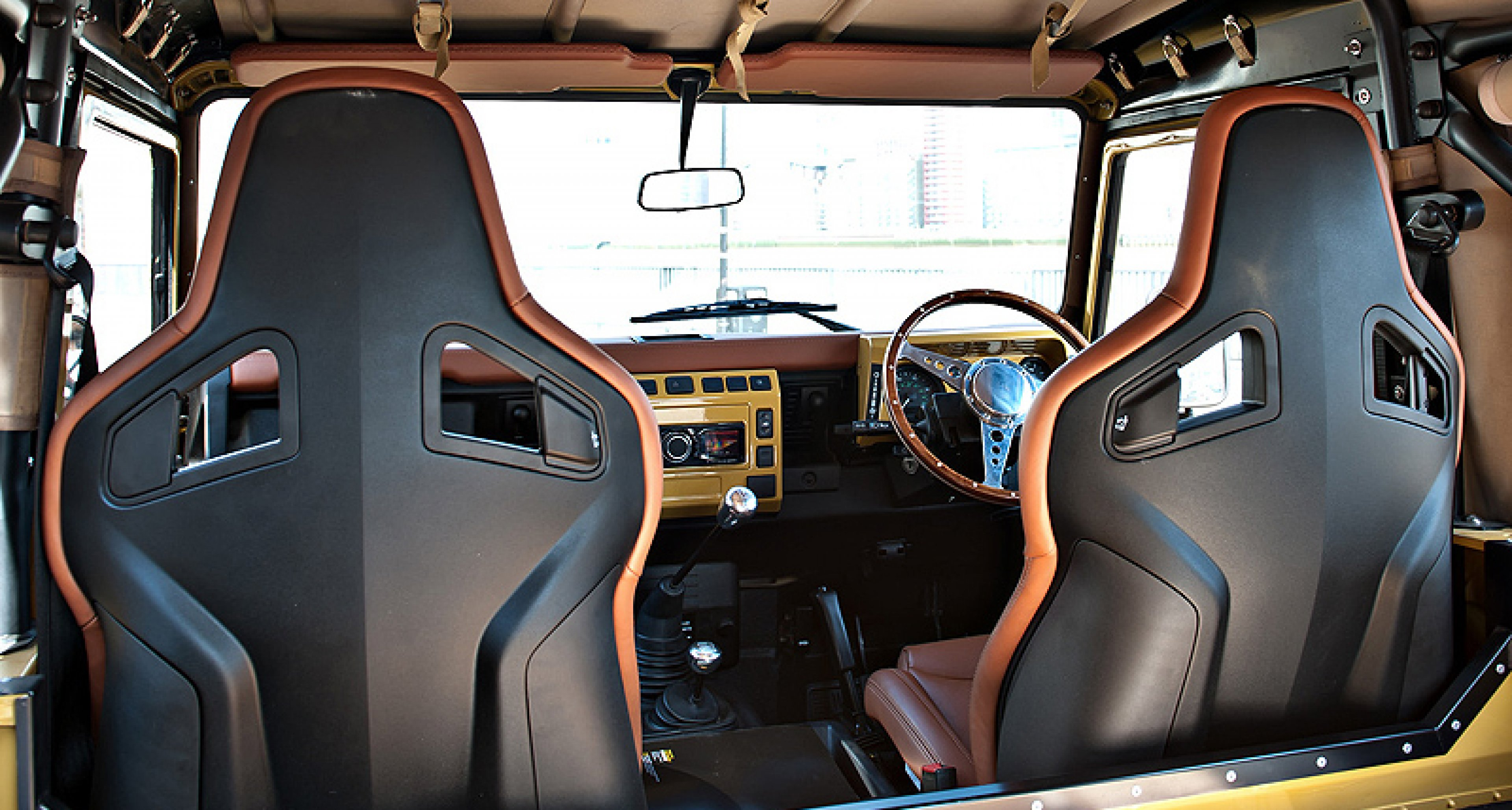 Land Rover Defender Twisted Editions: Urban Safari