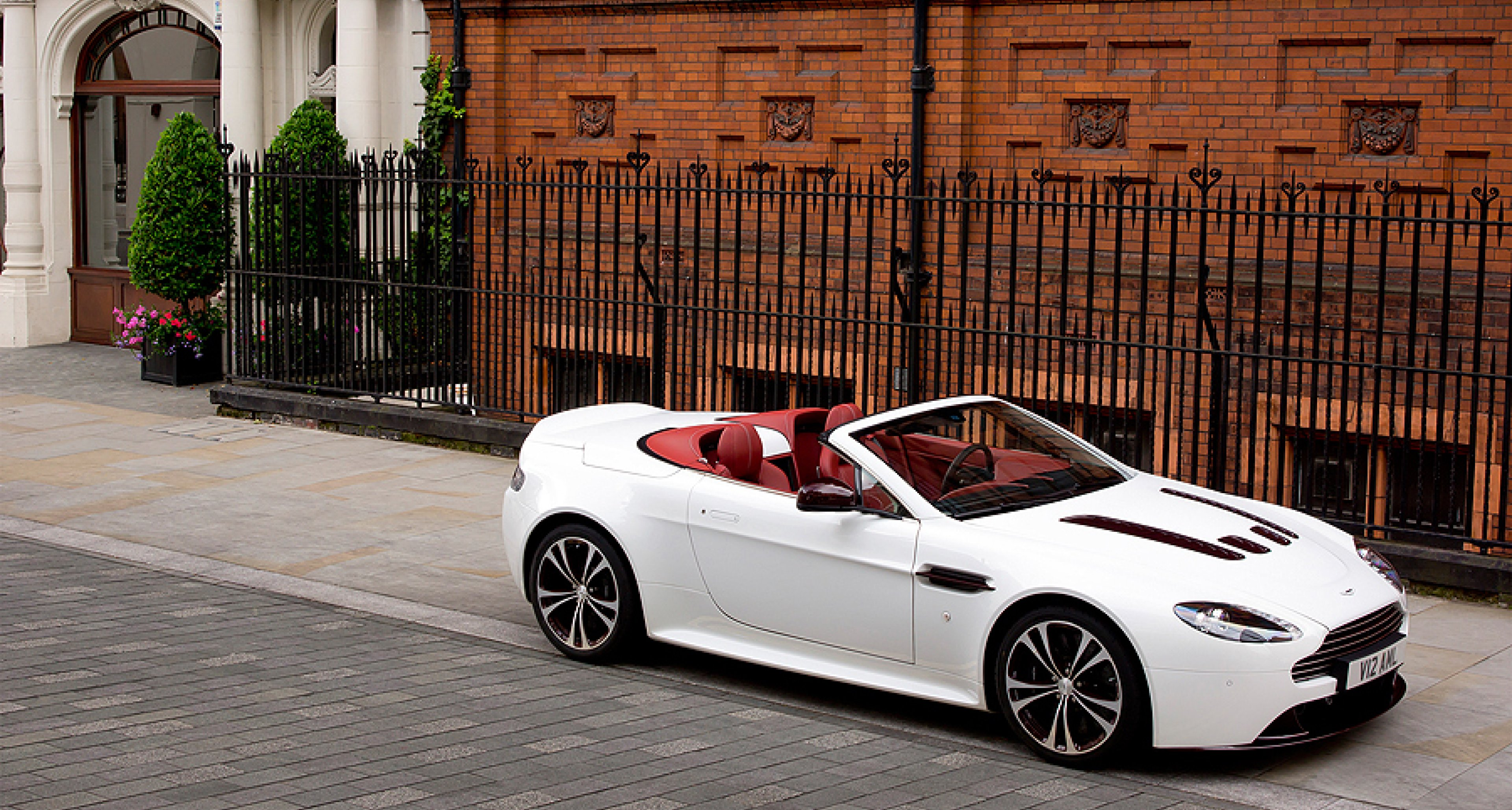Aston Martin V12 Vantage Roadster British Air Max Classic Driver Magazine