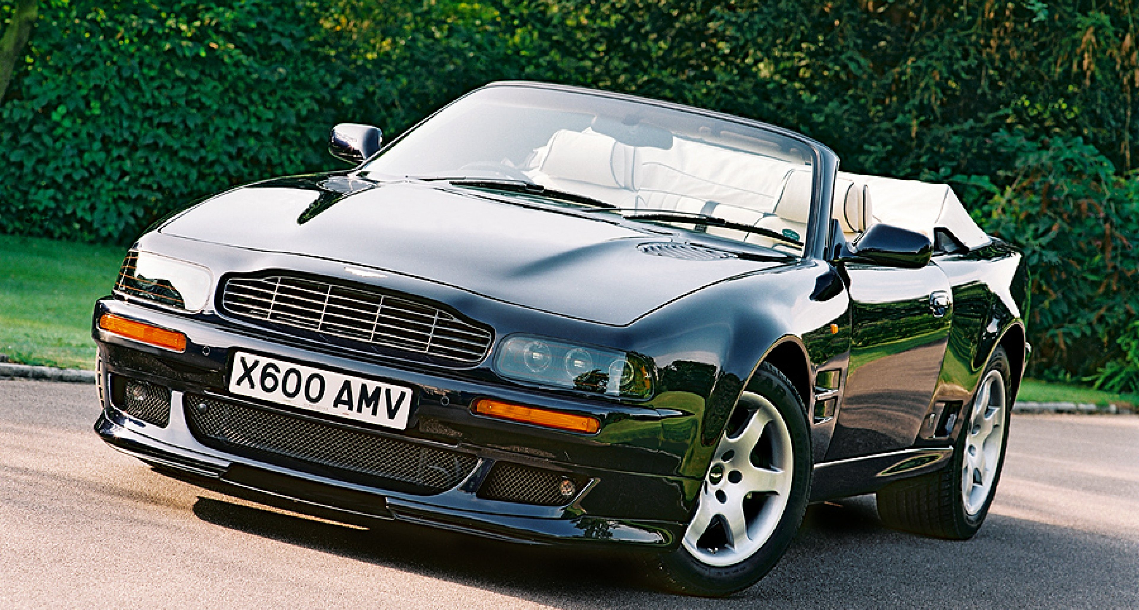 aston martin v8 vantage volante special edition classic driver magazine. Black Bedroom Furniture Sets. Home Design Ideas