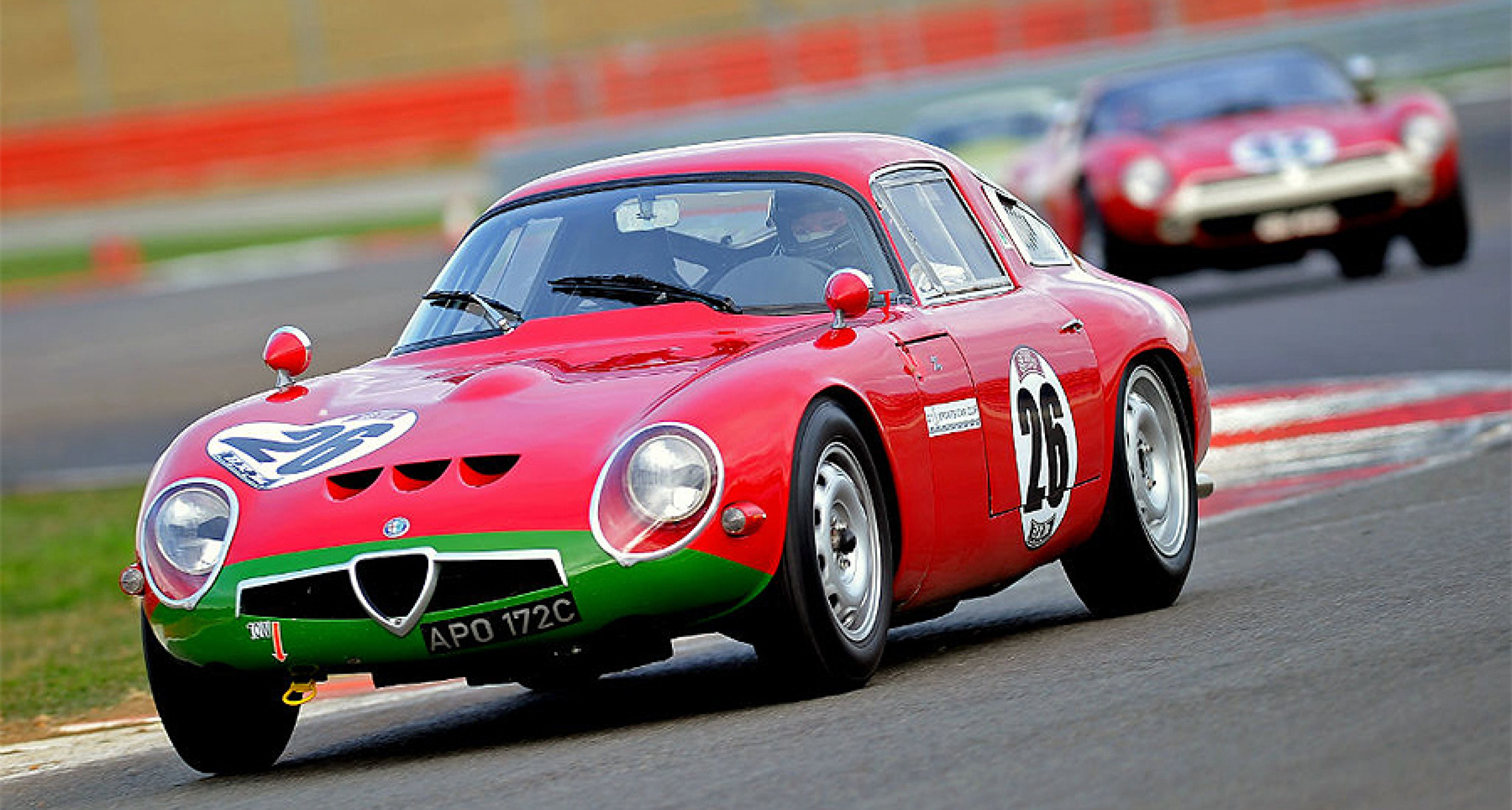 alfa romeo tz1: the 'baby gto' | classic driver magazine