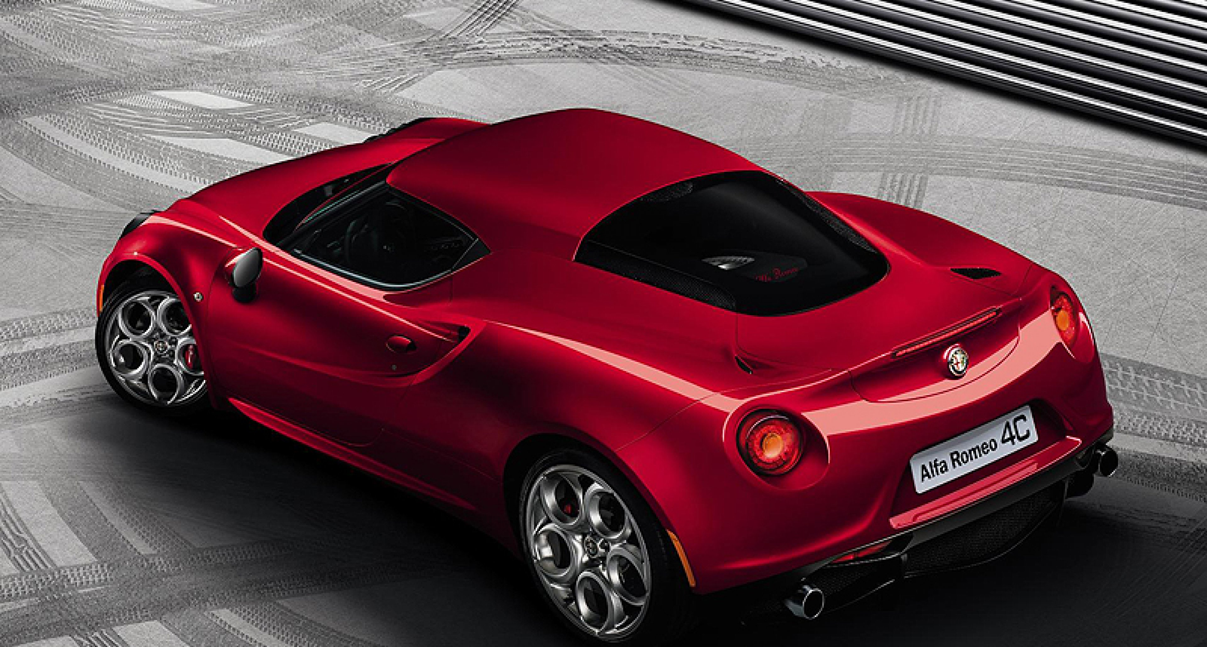 Compact Supercar: Alfa 4C is here at last