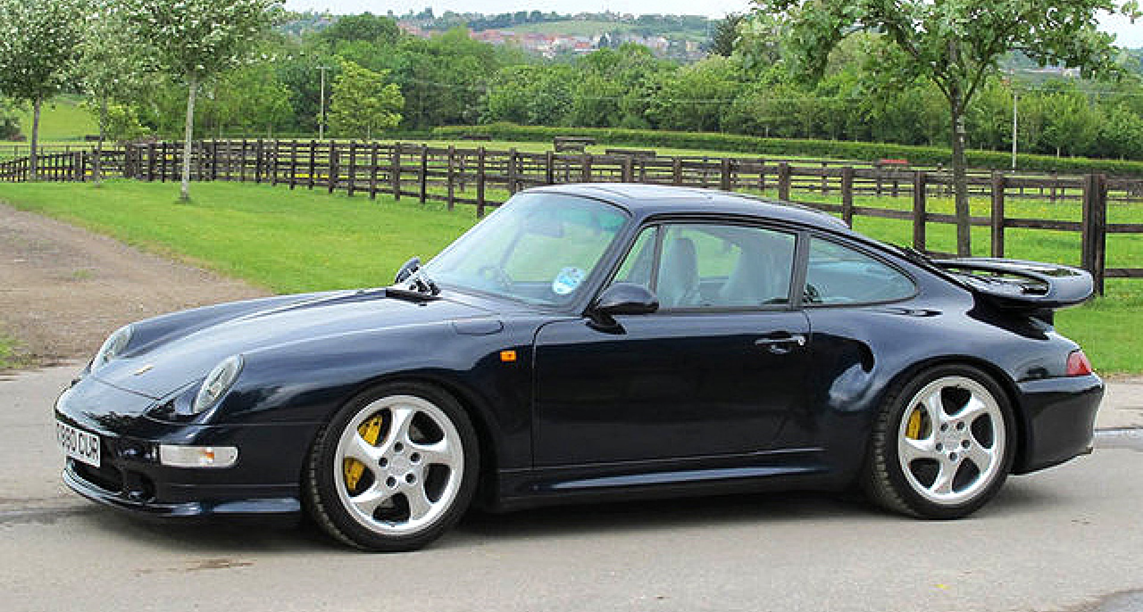 Porsche 911 Turbo Generations: The art of peer pressure | Clic ...